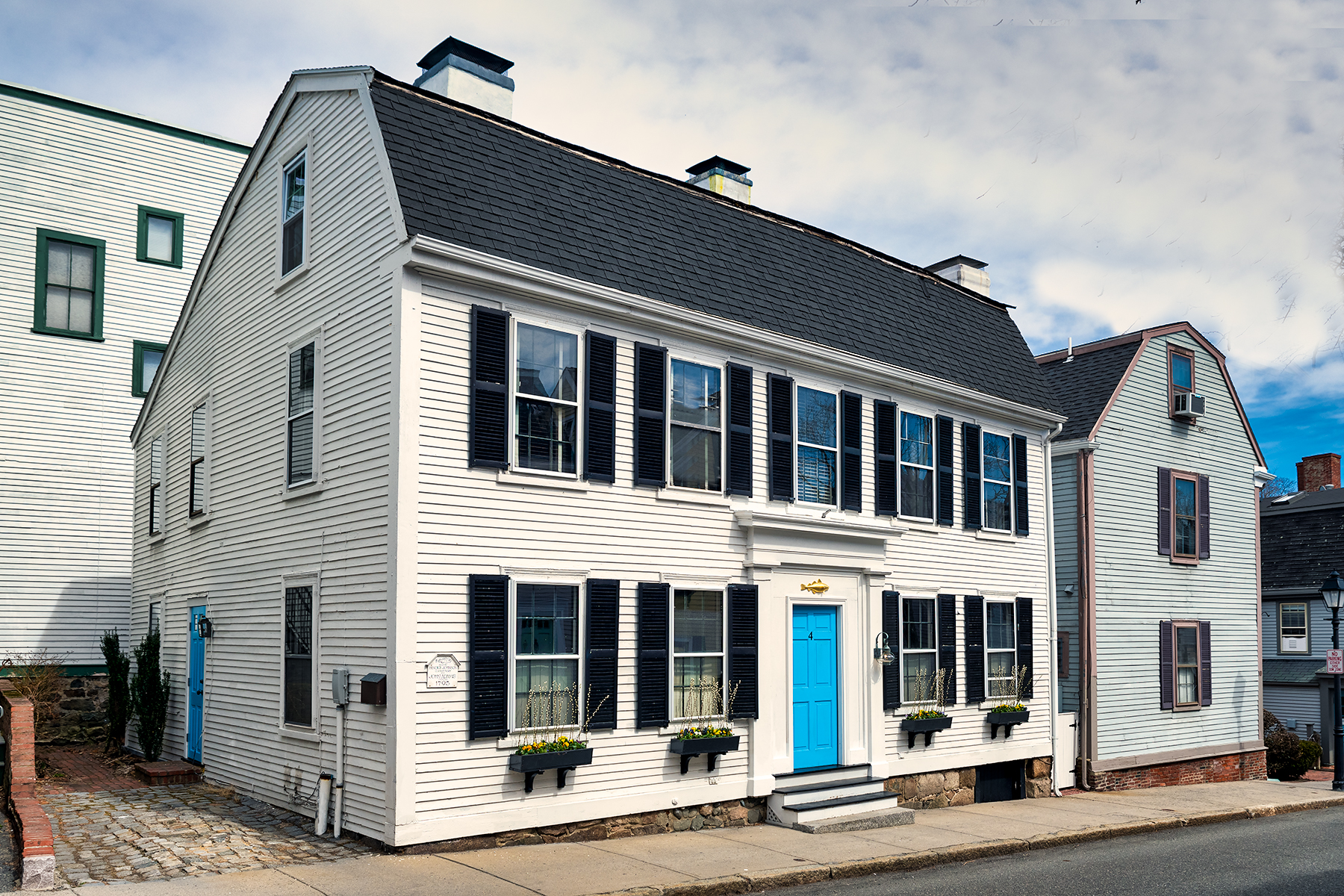 Single Family Home for Active at Beautiful and exceptionally well maintained antique colonial 4 State Street Marblehead, Massachusetts 01945 United States