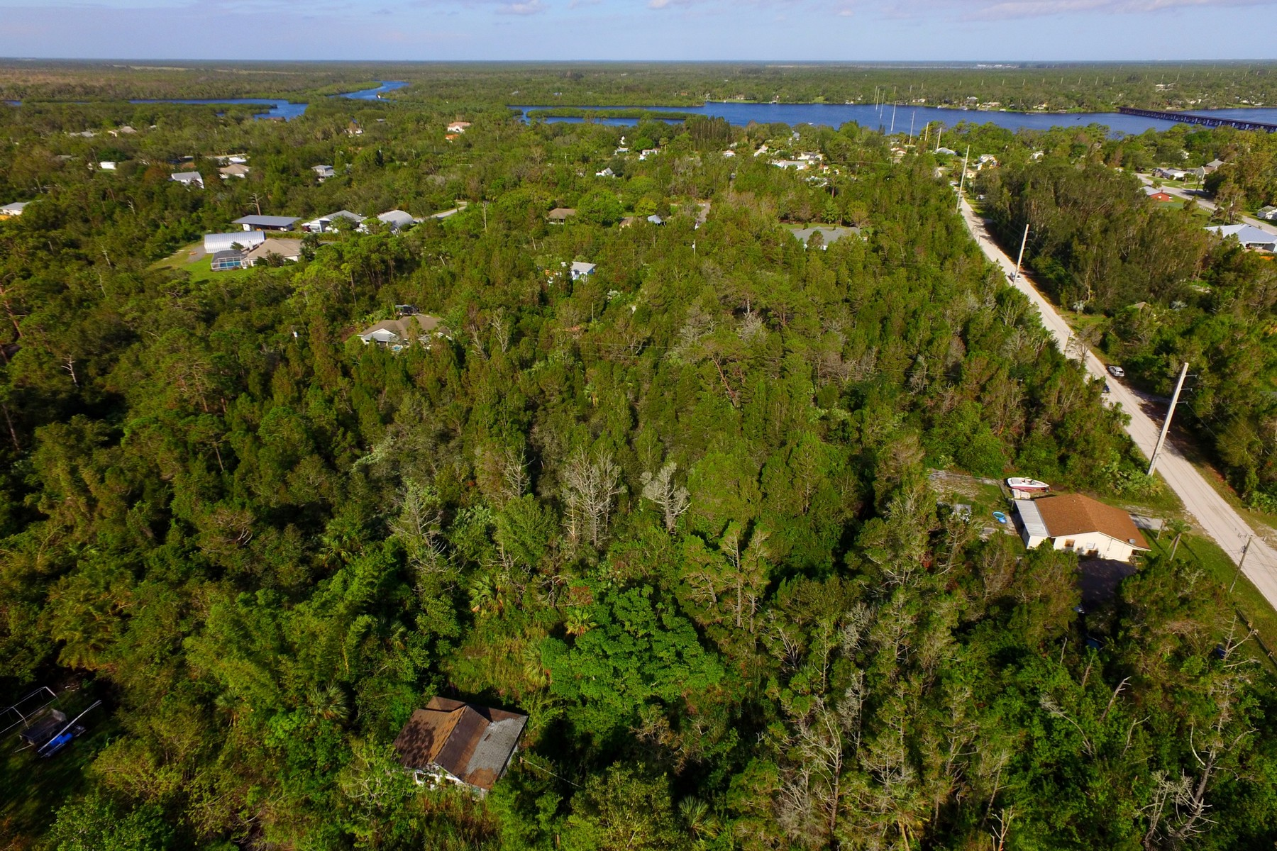 토지 용 매매 에 Wooded and Private Homesite 12870 80th Court Sebastian, Florida 32958 United States