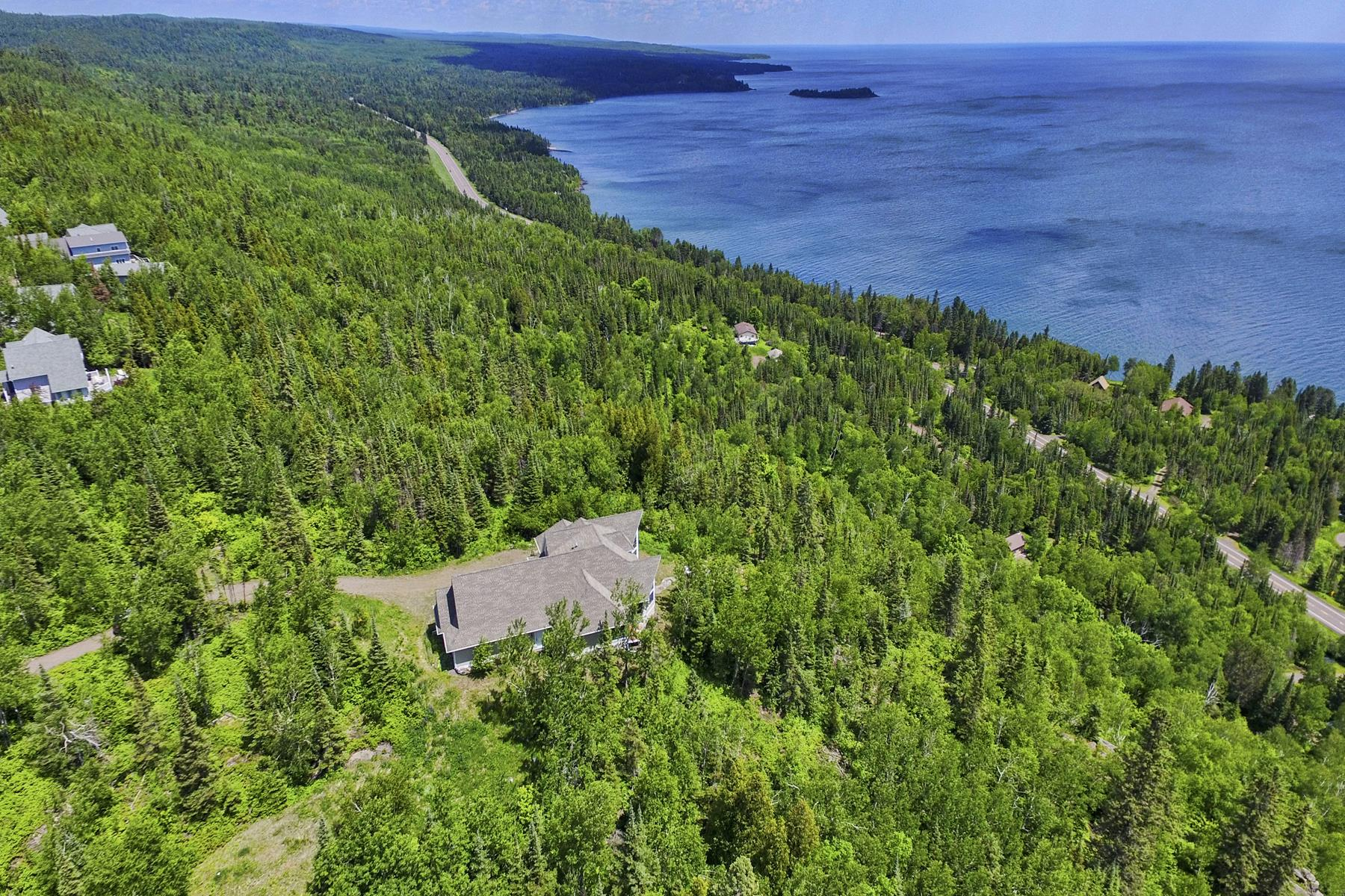Single Family Homes for Sale at 1960 Silver Cliff Landing Rd Two Harbors, Minnesota 55616 United States