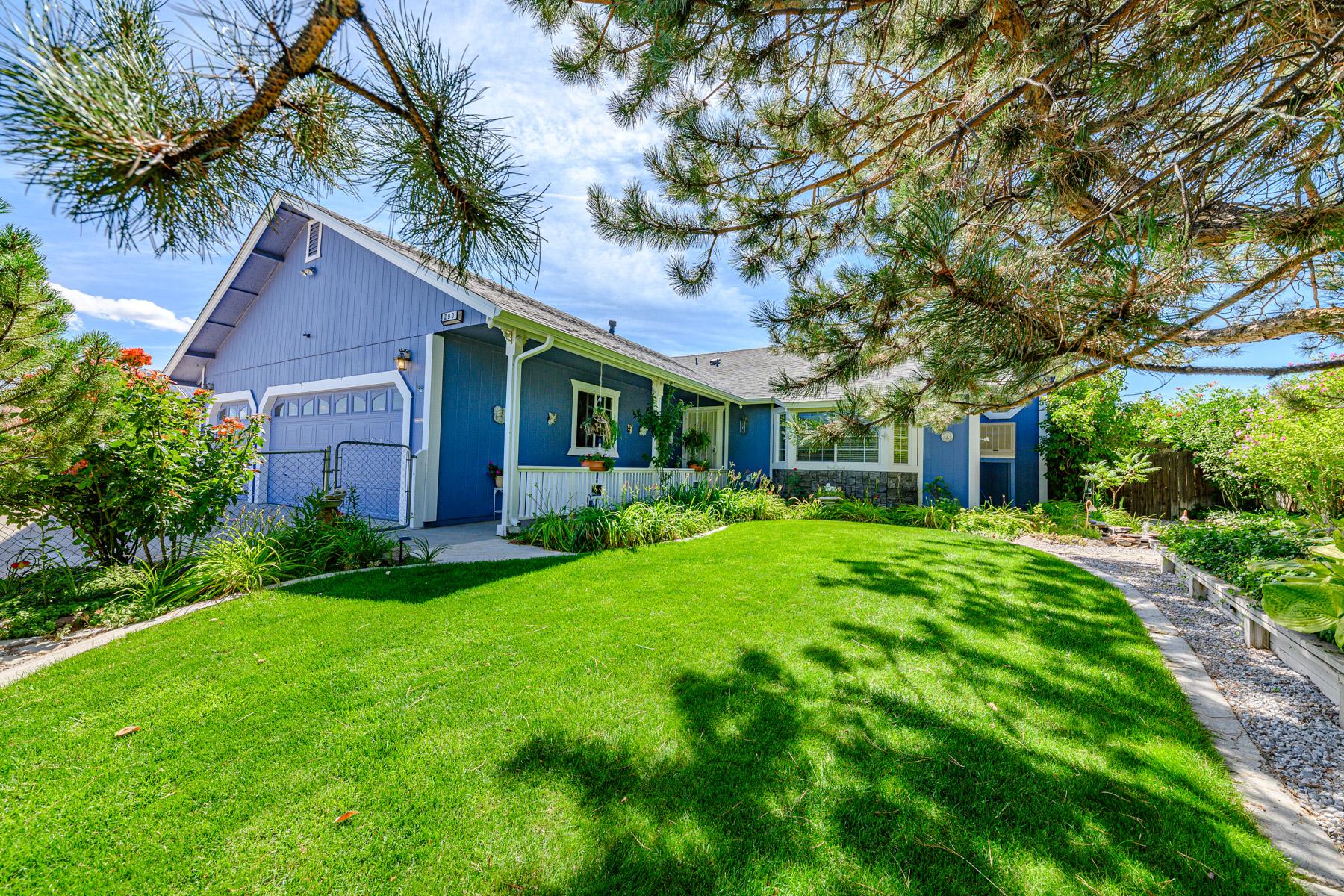 Single Family Homes 为 销售 在 290 Ember Dr., Sparks, NV 290 Ember Dr. 斯帕克斯, 内华达州 89436 美国