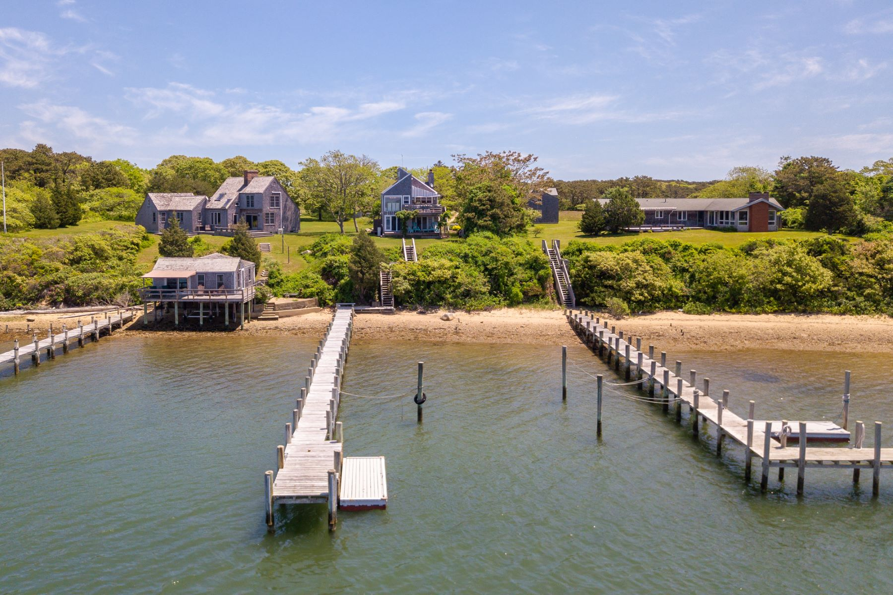 Single Family Homes για την Πώληση στο Waterfront property with dock in Edgartown 26 Caleb Pond Road, Edgartown, Μασαχουσετη 02539 Ηνωμένες Πολιτείες