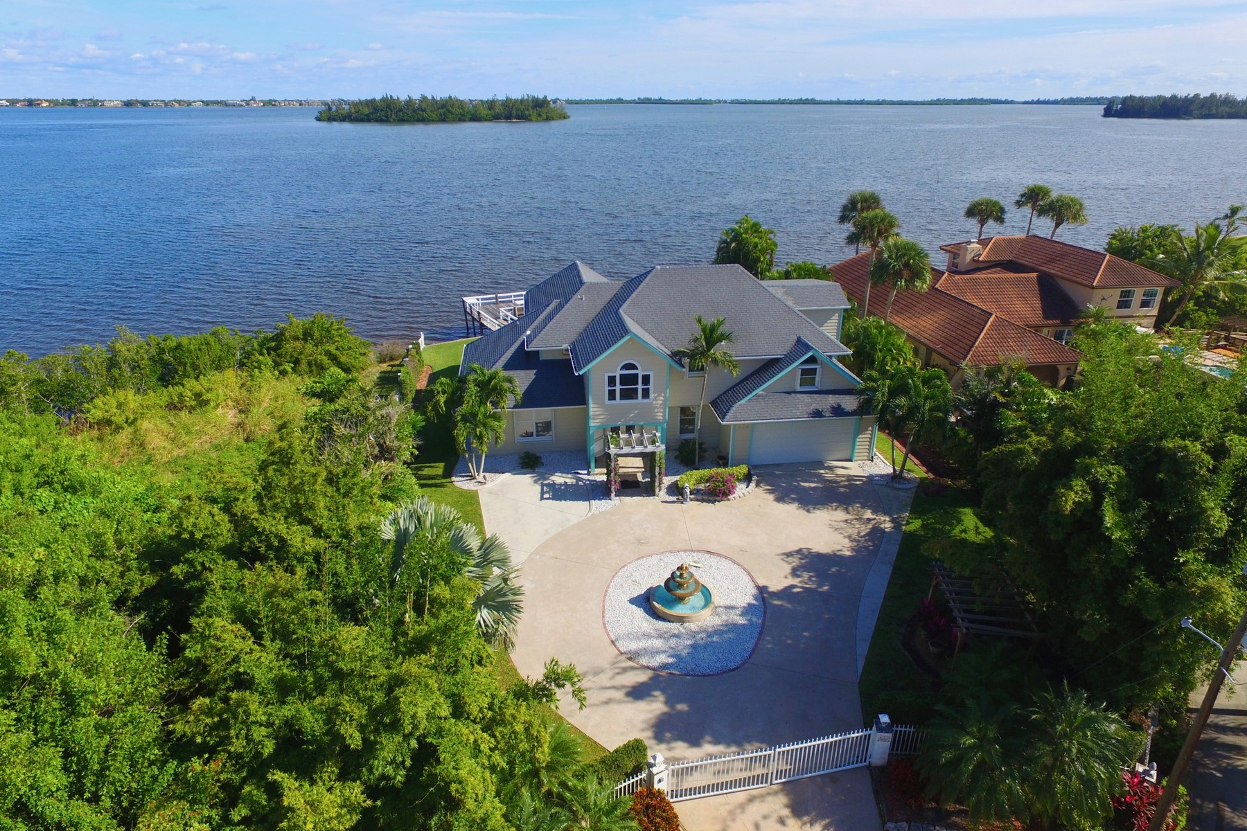 Single Family Home for Sale at Sunrise Point! Direct Riverfront Pool Home With Dock 499 12th Street SE Vero Beach, Florida 32962 United States