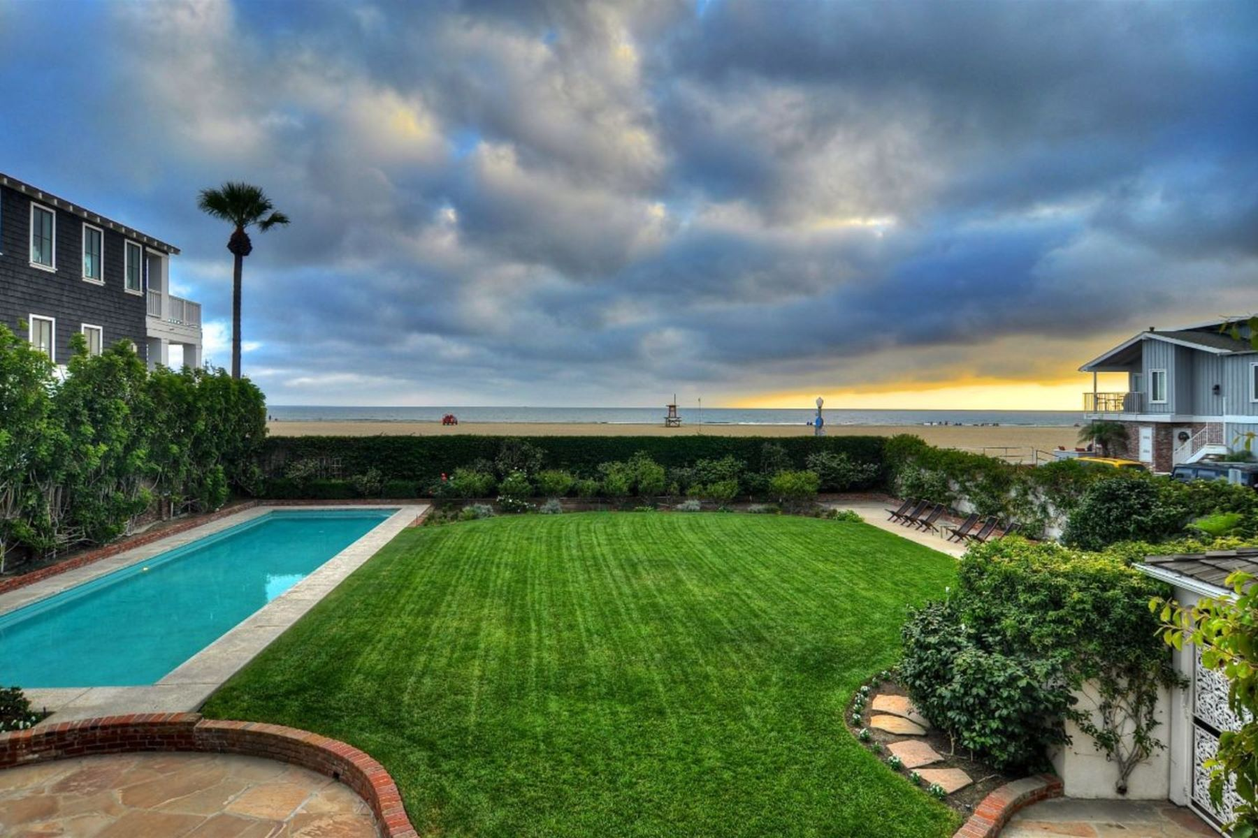 Single Family Homes for Sale at 1824 W Oceanfront Newport Beach, California 92663 United States