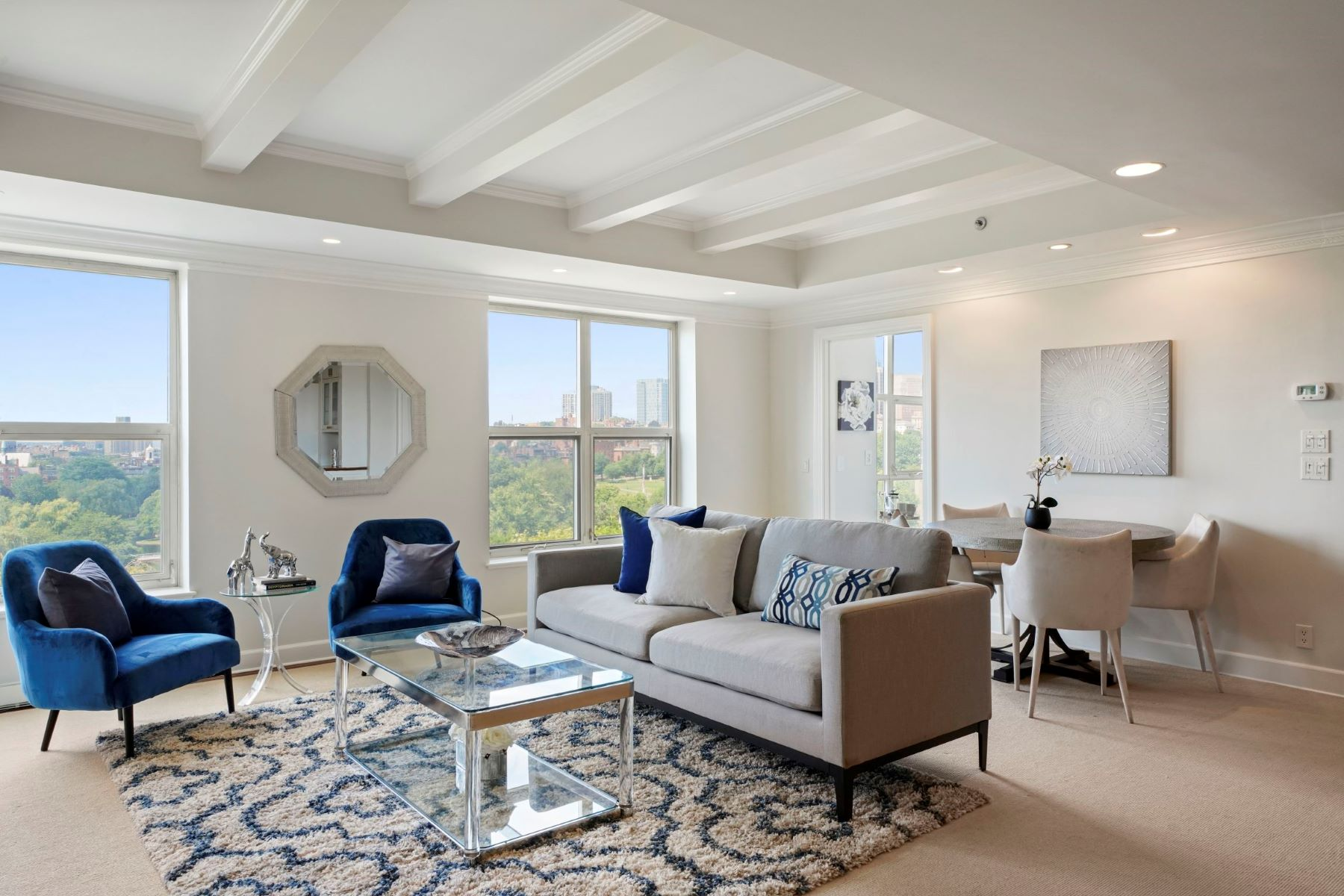 Condominiums por un Venta en 300 Boylston St - Unit 905 Boston, Massachusetts 02115 Estados Unidos