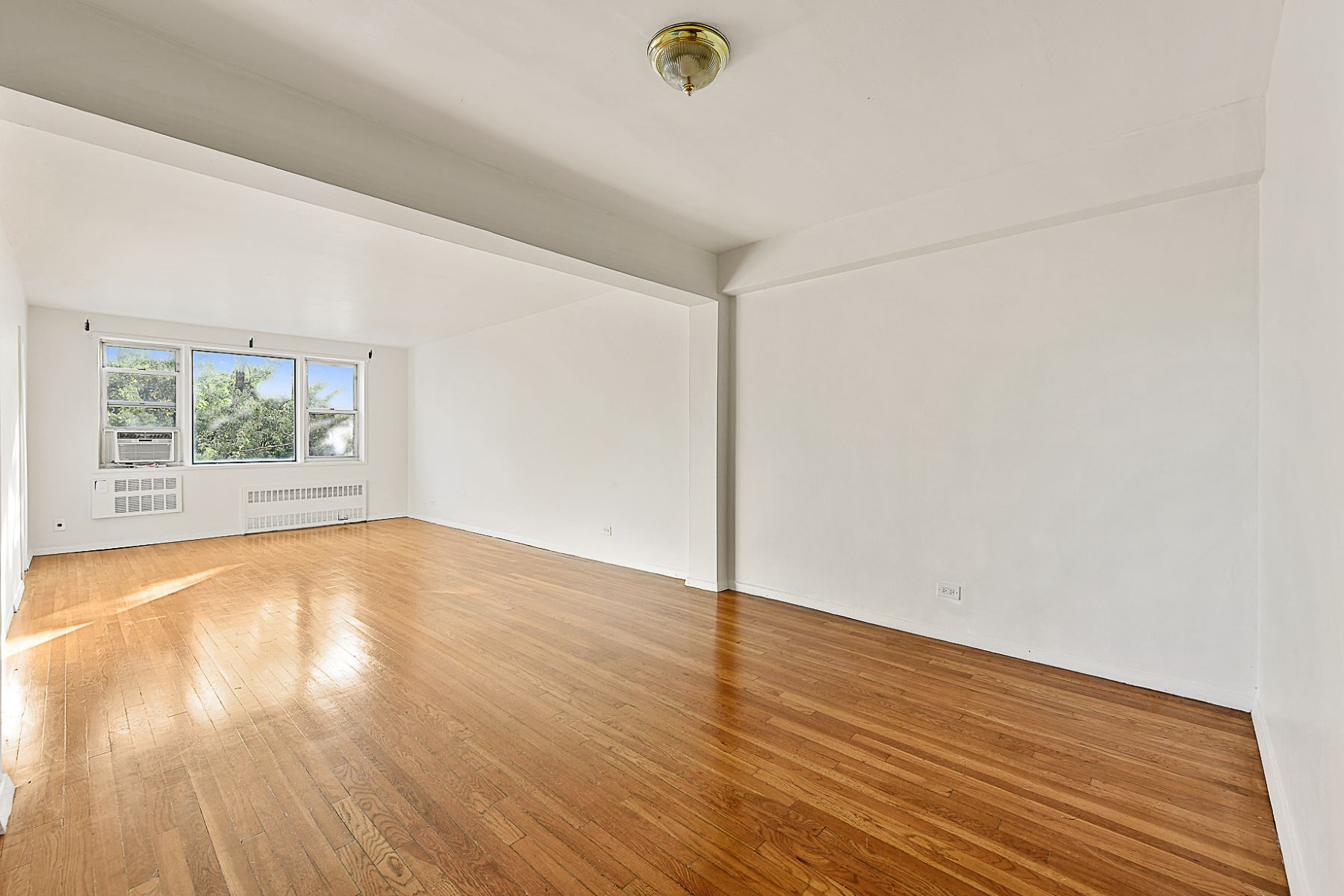 共有公寓 為 出售 在 Large Terrace and Move-in Ready 3050 FAIRFIELD AVENUE 6L, Riverdale, 紐約州, 10463 美國