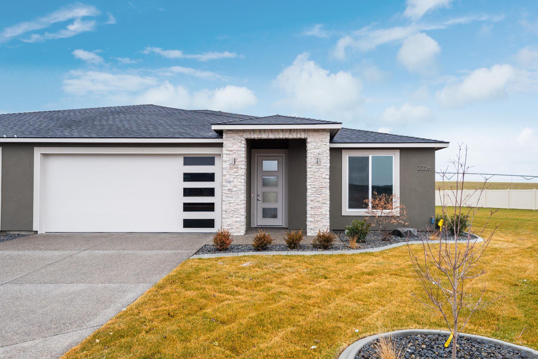 townhouses for Sale at Low Maintenance Golf Community 2268 Veneto Street, Richland, Washington 99352 United States