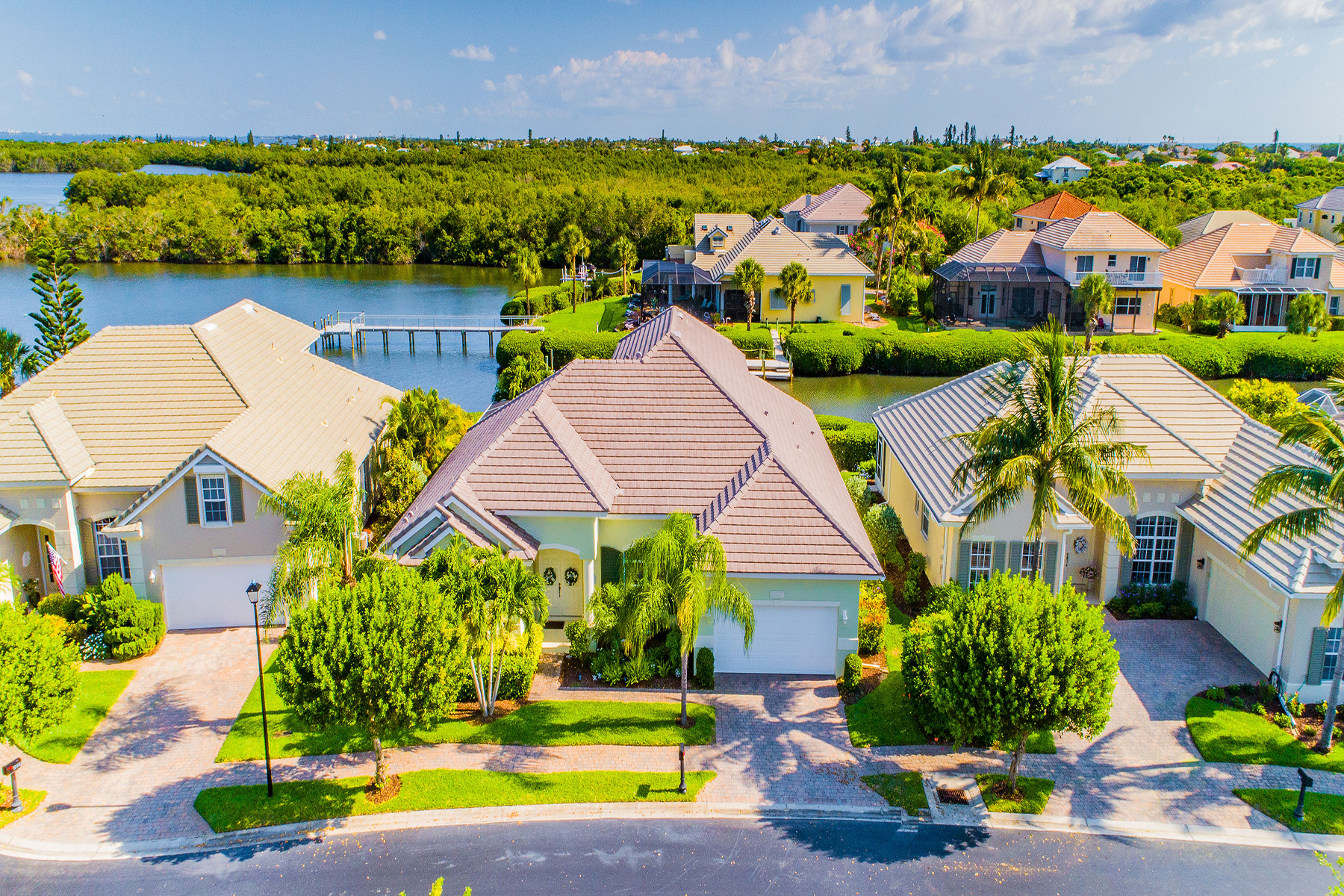 Single Family Homes for Sale at MELBOURNE BEACH 5237 Solway Dr Melbourne Beach, Florida 32951 United States