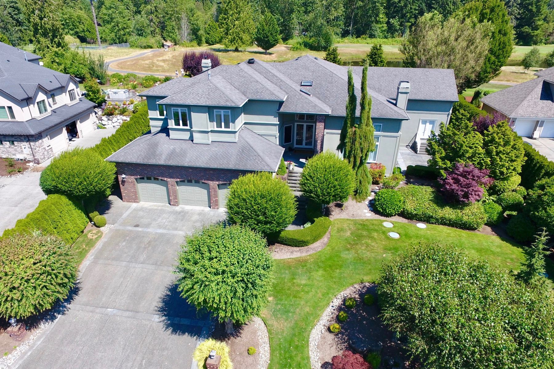 Single Family Home for Sale at Golf Course Estate Living 20707 127th Ave SE Snohomish, Washington 98296 United States