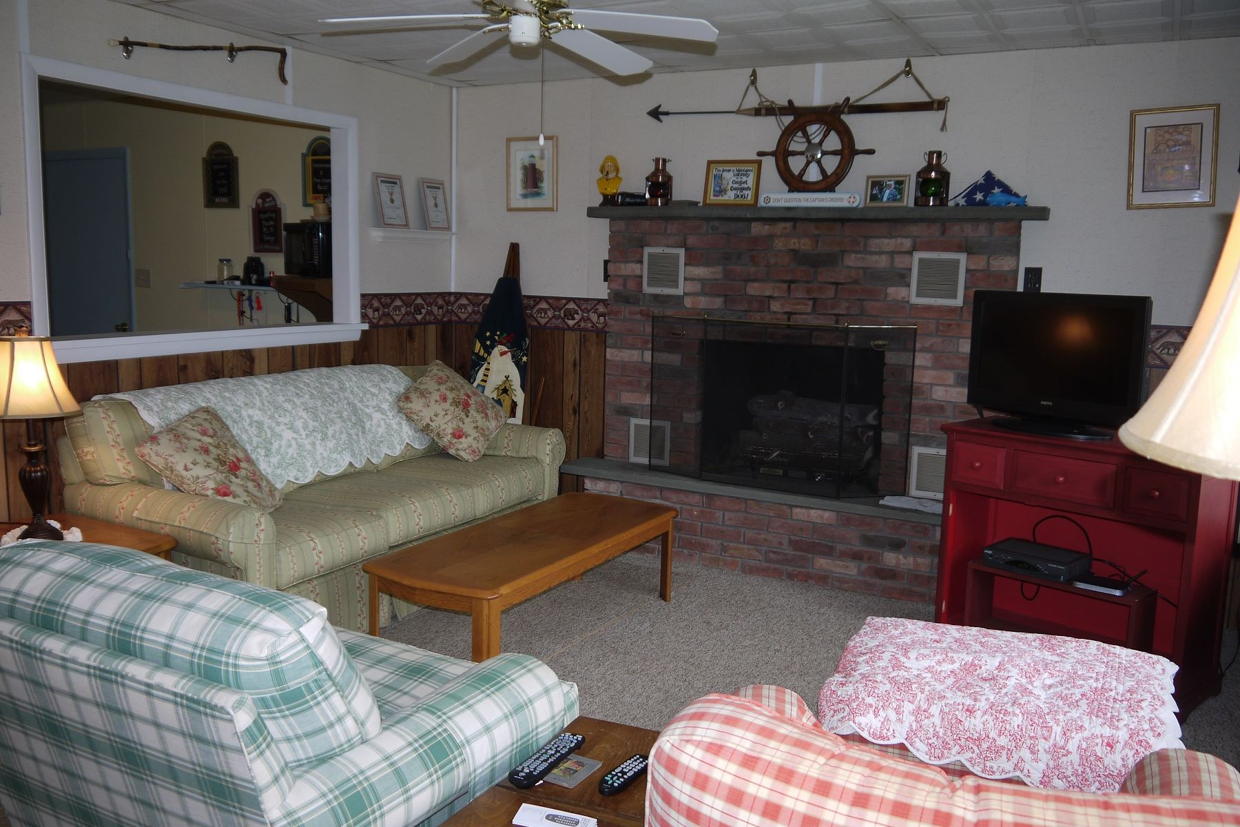 Additional photo for property listing at Year round living, in a family friendly neighborhood with lake rights. 109 West Ave Eagle Bay, New York 13331 United States