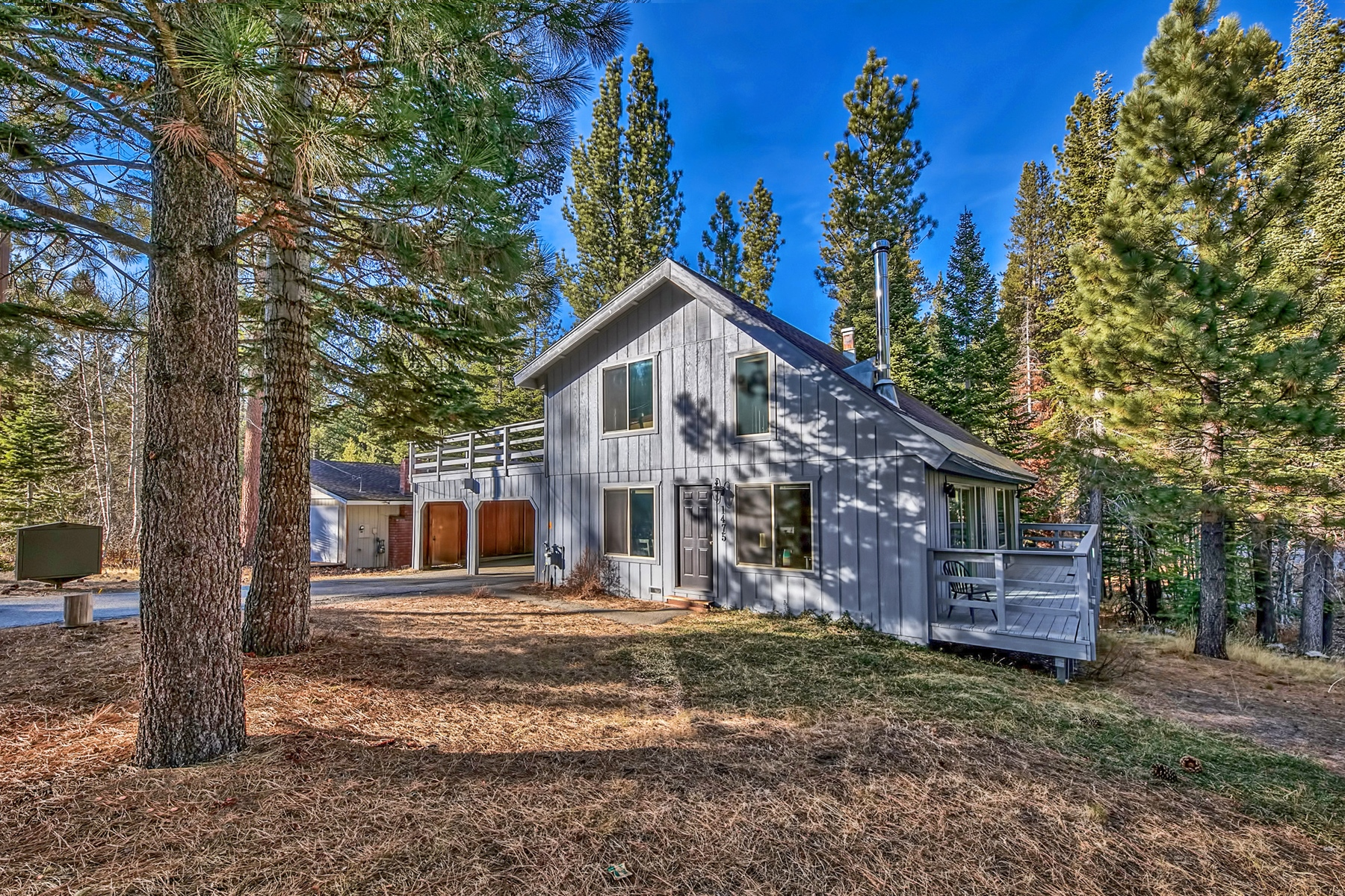Property por un Venta en 1475 Vanderhoof Road, South Lake Tahoe, Ca 96150 1475 Vanderhoof Road South Lake Tahoe, California 96150 Estados Unidos