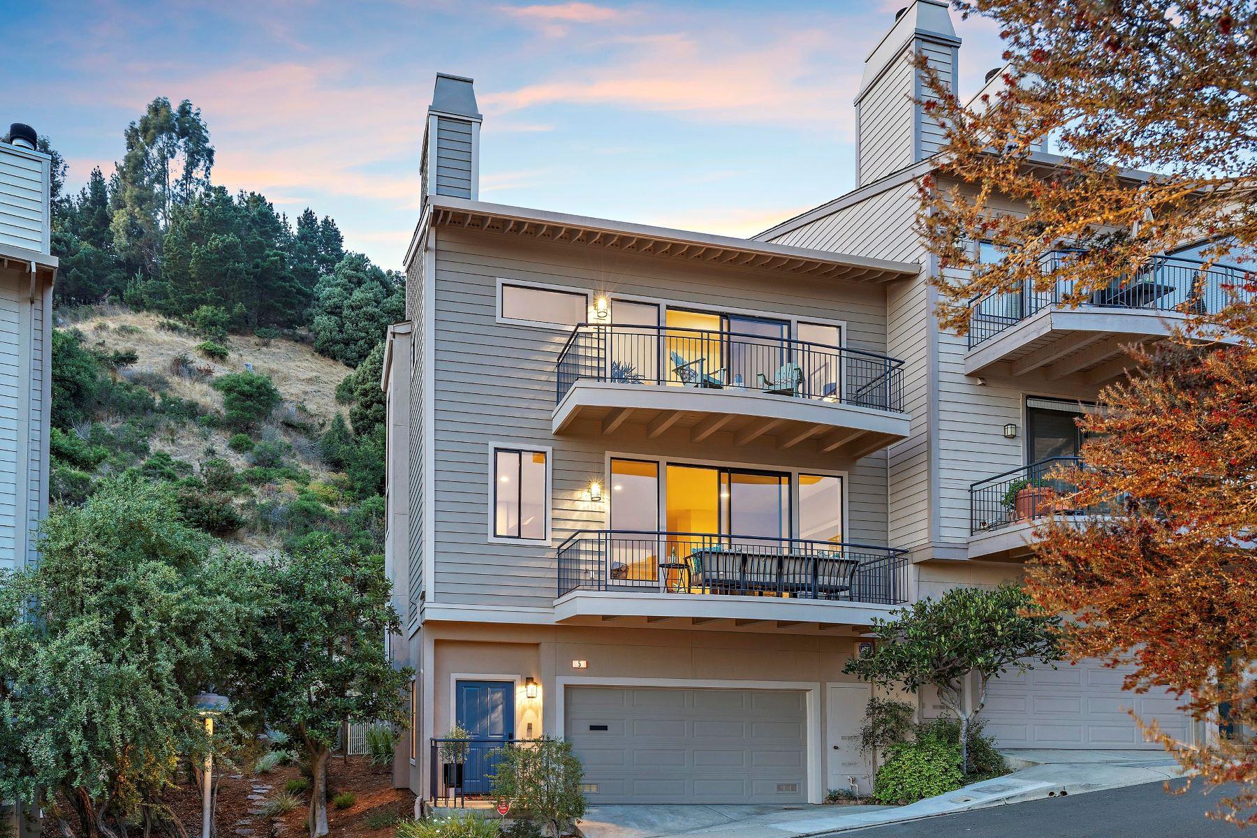 townhouses por un Venta en Brilliant Bay Views 5 Schooner Hill Oakland, California 94618 Estados Unidos