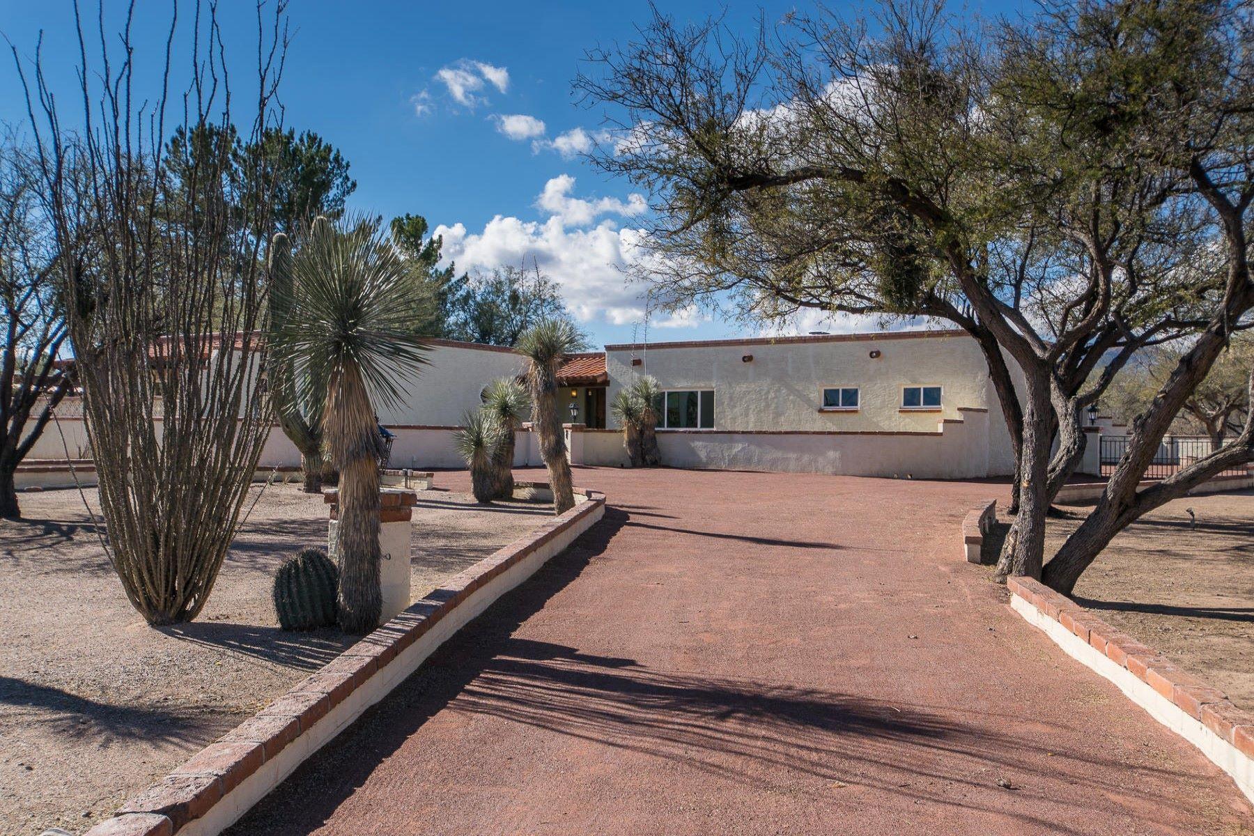 Maison unifamiliale pour l Vente à Three bedroom home with views 2364 Camino Esplendido Tubac, Arizona, 85646 États-Unis