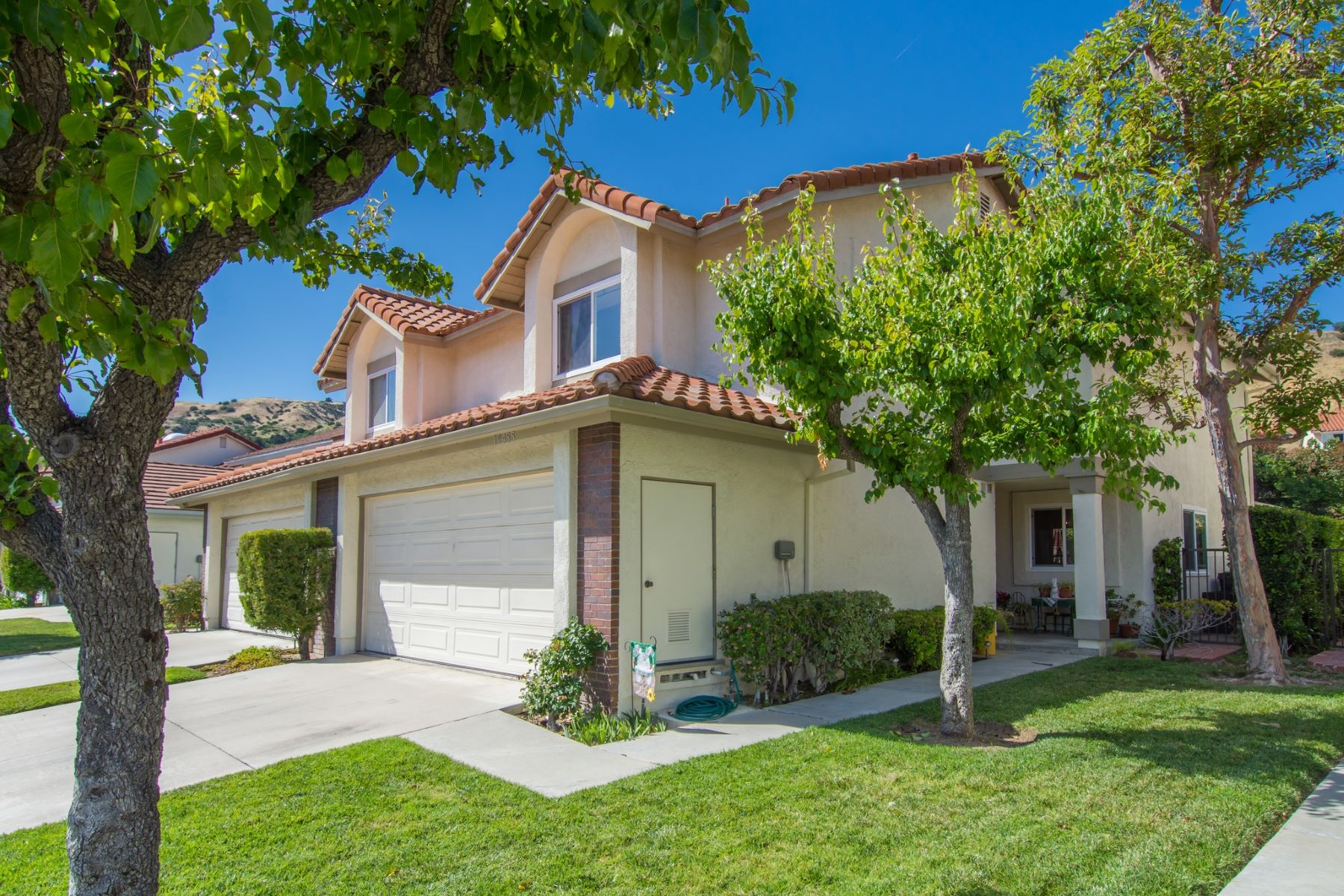 Single Family Home for Sale at 19455 Eagle Ridge Lane Porter Ranch, California, 91326 United States