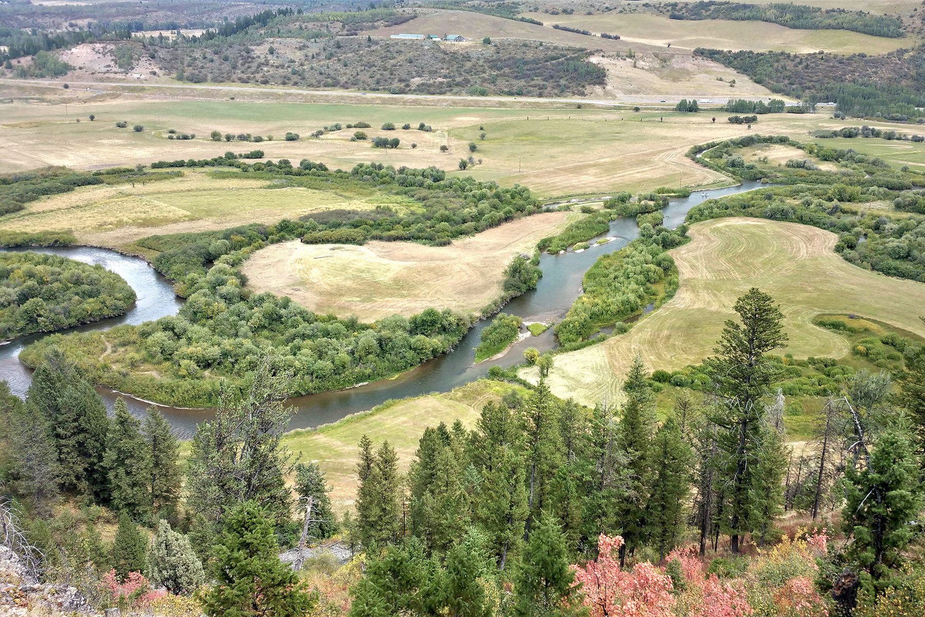 أراضي للـ Sale في 53.2 ac plus 40 ac BLM Lease - TBD Ox Bow Reserve, Thayne, Wyoming 83127 United States