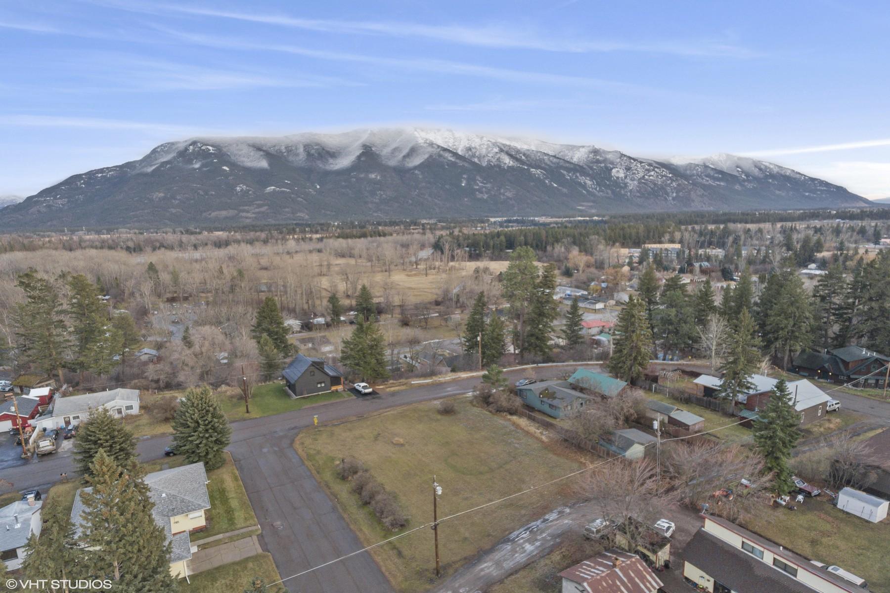 Land voor Verkoop op Mixed Use Downtown Columbia Falls 502 2nd Avenue East, Columbia Falls, Montana 59912 Verenigde Staten