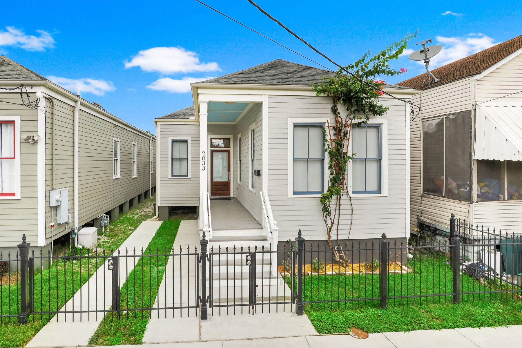 Single Family Homes por un Venta en Irish Channel 2833 Livaudais New Orleans, Louisiana 70130 Estados Unidos
