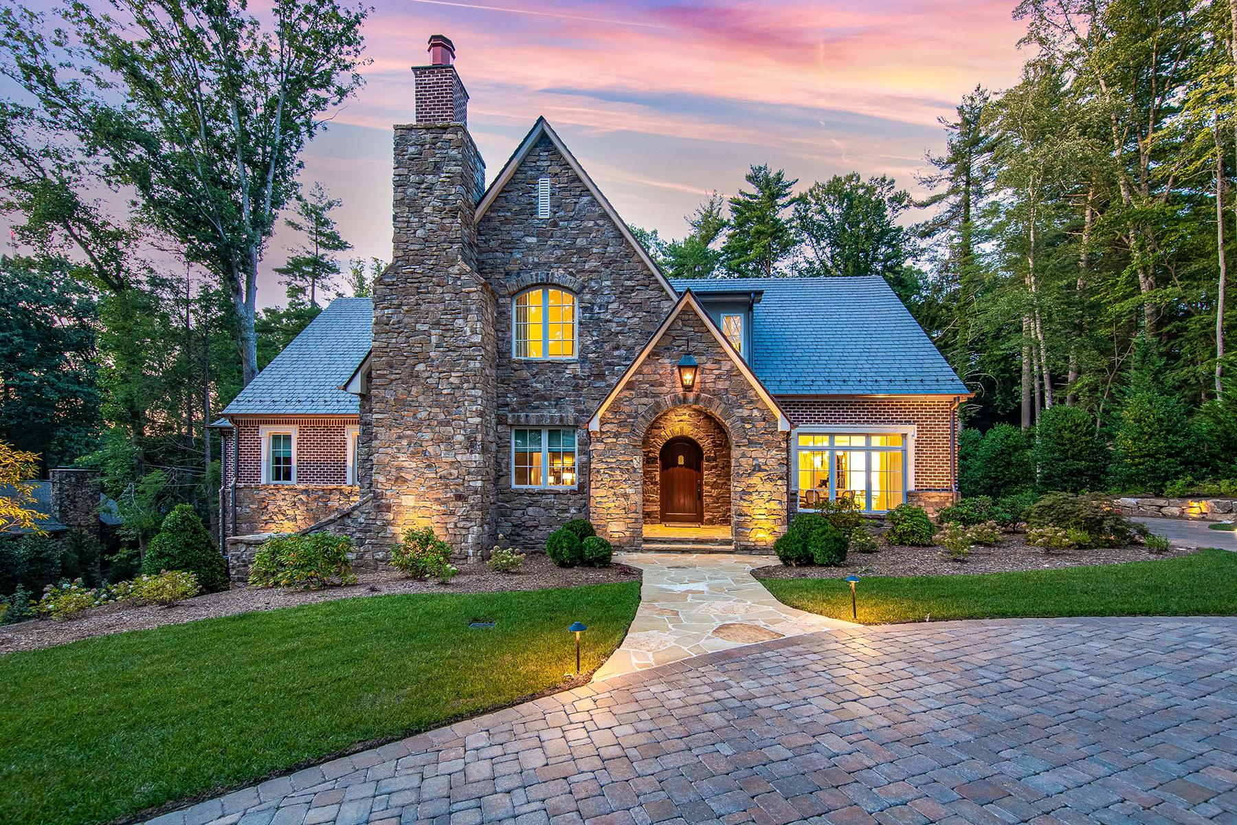 Single Family Homes por un Venta en BILTMORE FOREST 35 Hilltop Rd, Biltmore Forest, Carolina Del Norte 28803 Estados Unidos
