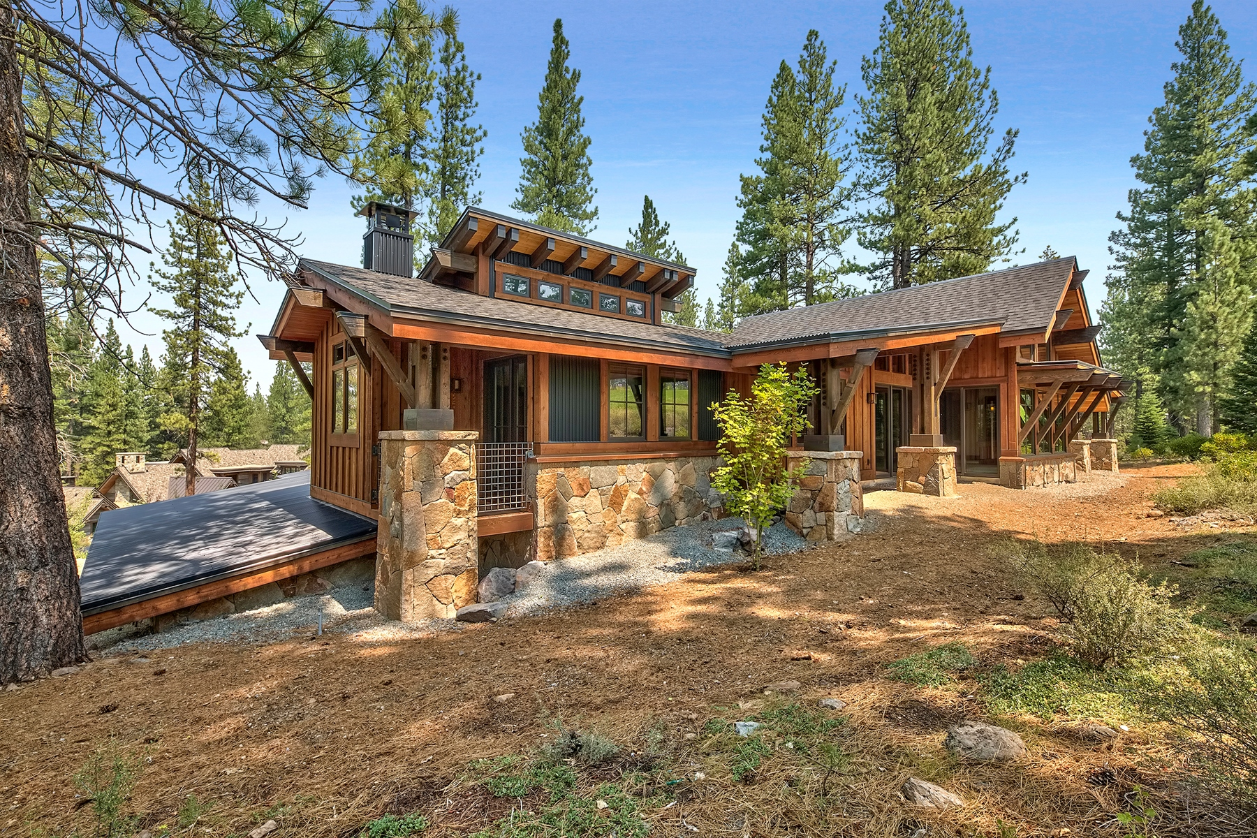 Additional photo for property listing at 13228 Snowshoe Thompson Circle, Truckee, California 96161 13228 Snowshoe Thompson Circle Truckee, California 96161 United States