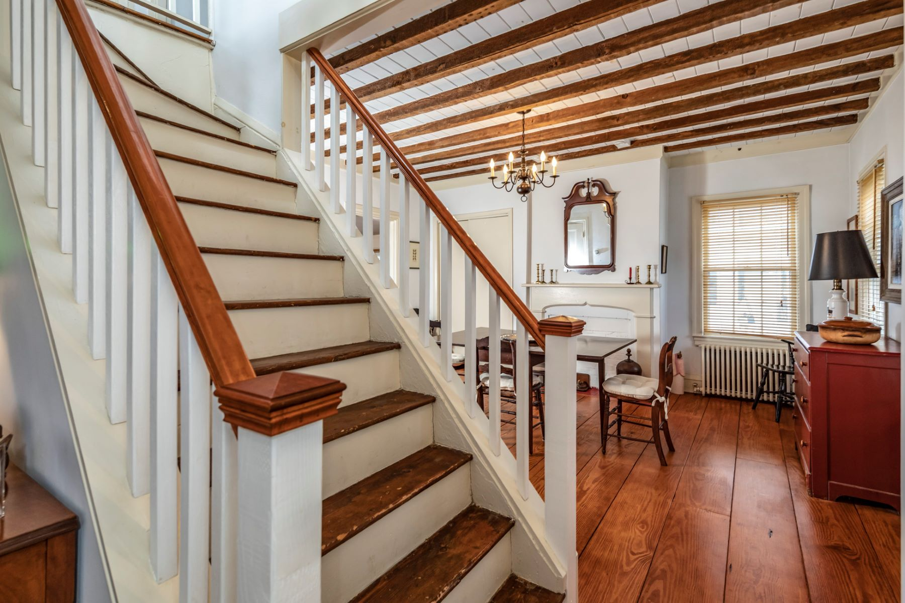 Additional photo for property listing at In the Heart of Historic Rocky Hill 121 Washington Street, Rocky Hill, New Jersey 08553 United States