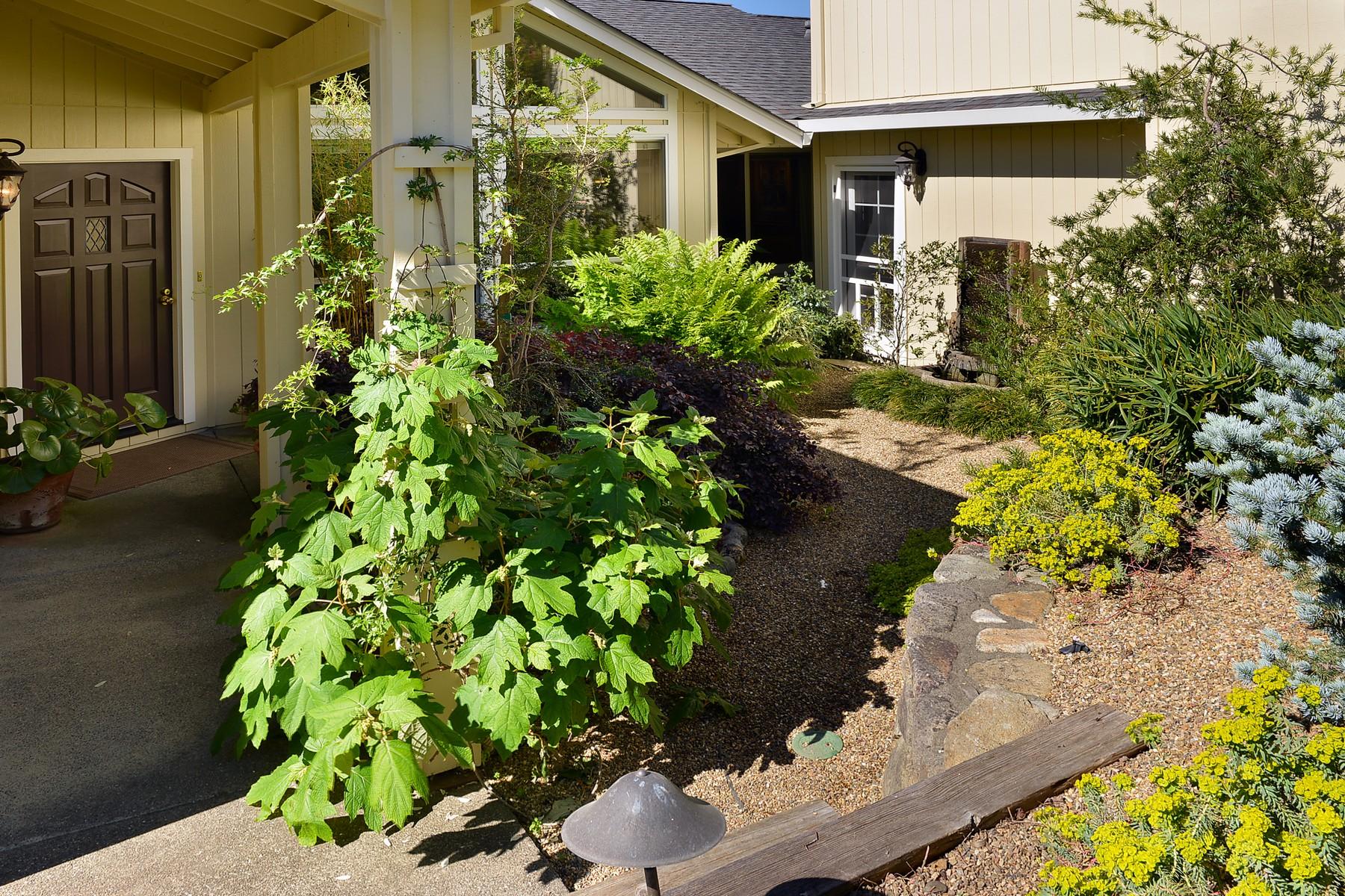 Einfamilienhaus für Verkauf beim 5832 La Cuesta Drive Santa Rosa, Kalifornien, 95409 Vereinigte Staaten