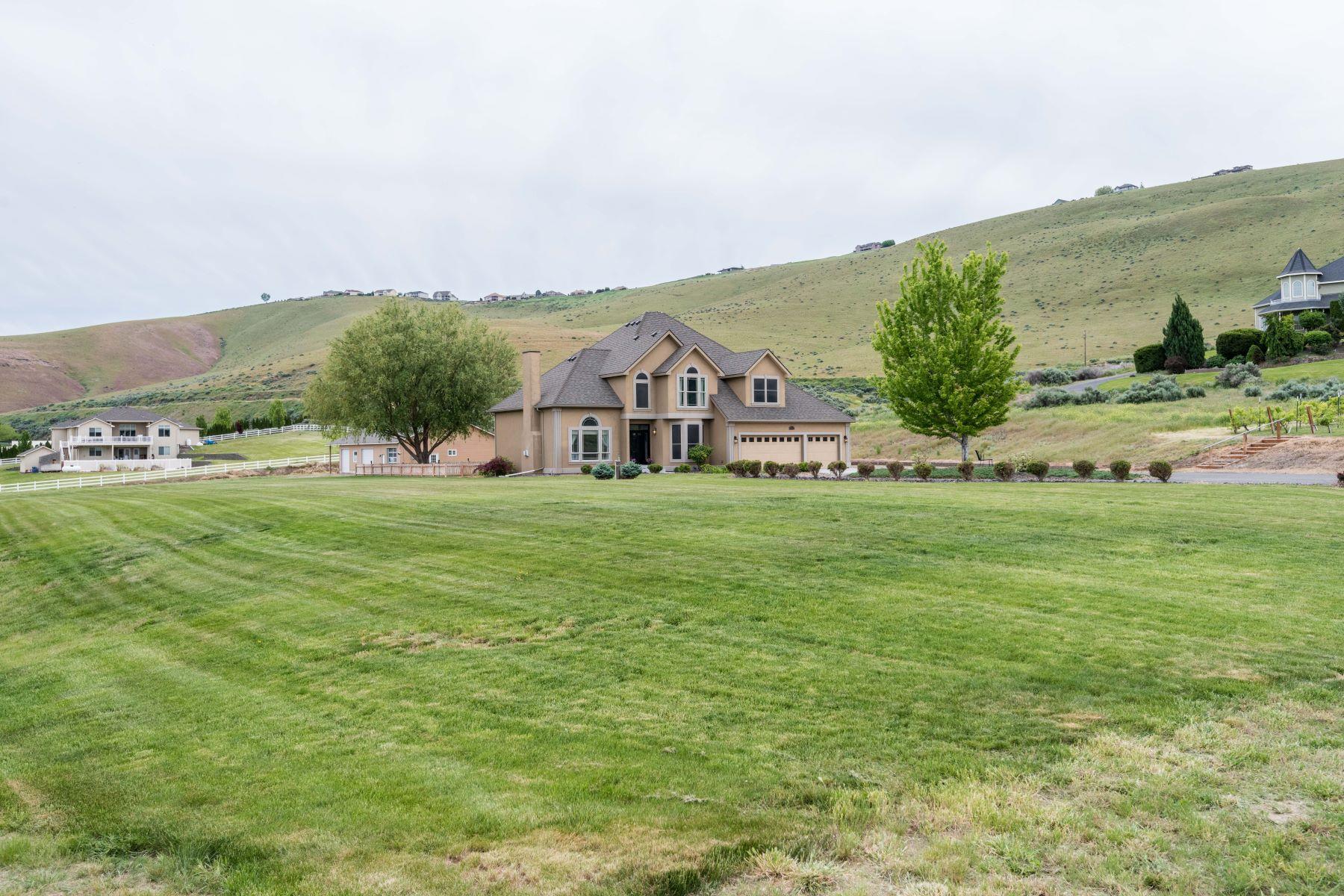 Casa Unifamiliar por un Venta en COUNTRY LIVING WITH A 60 X 40 SHOP!!! 30703 S 959 PR SE Kennewick, Washington 99338 Estados Unidos