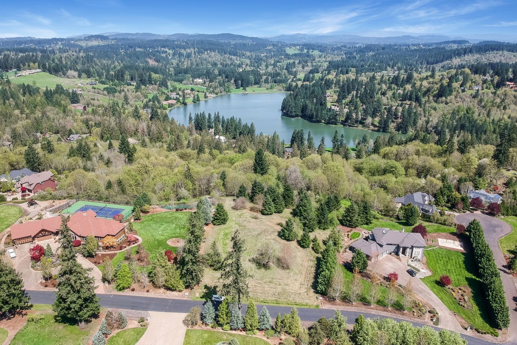 Land for Active at Discover The Distinct Difference of Beaver Lake Estates Living! 20654 S Monpano Overlook Drive Oregon City, Oregon 97045 United States