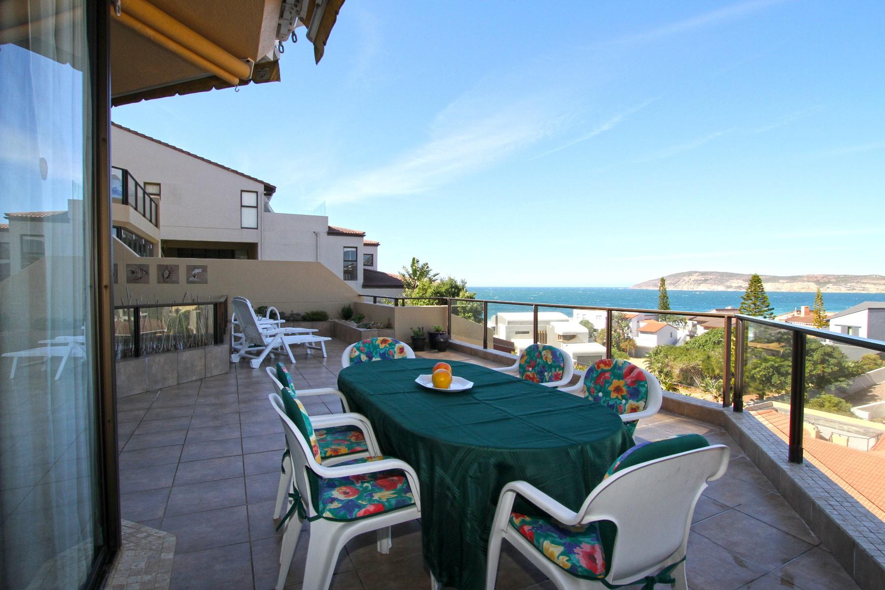 公寓 为 销售 在 Picture Perfect Sea-View Apartment 普利登堡港, 西开普省, 6600 南非