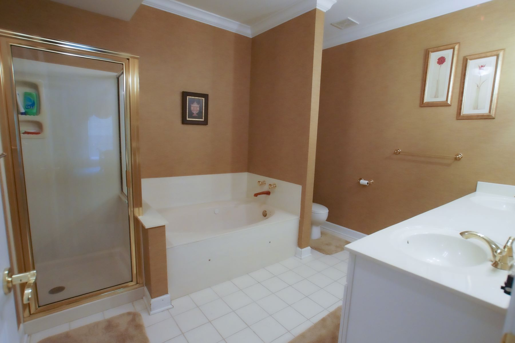 Additional photo for property listing at Mill Crossing Condo 13101 Mill Crossing Ct #104 Creve Coeur, Missouri 63141 United States