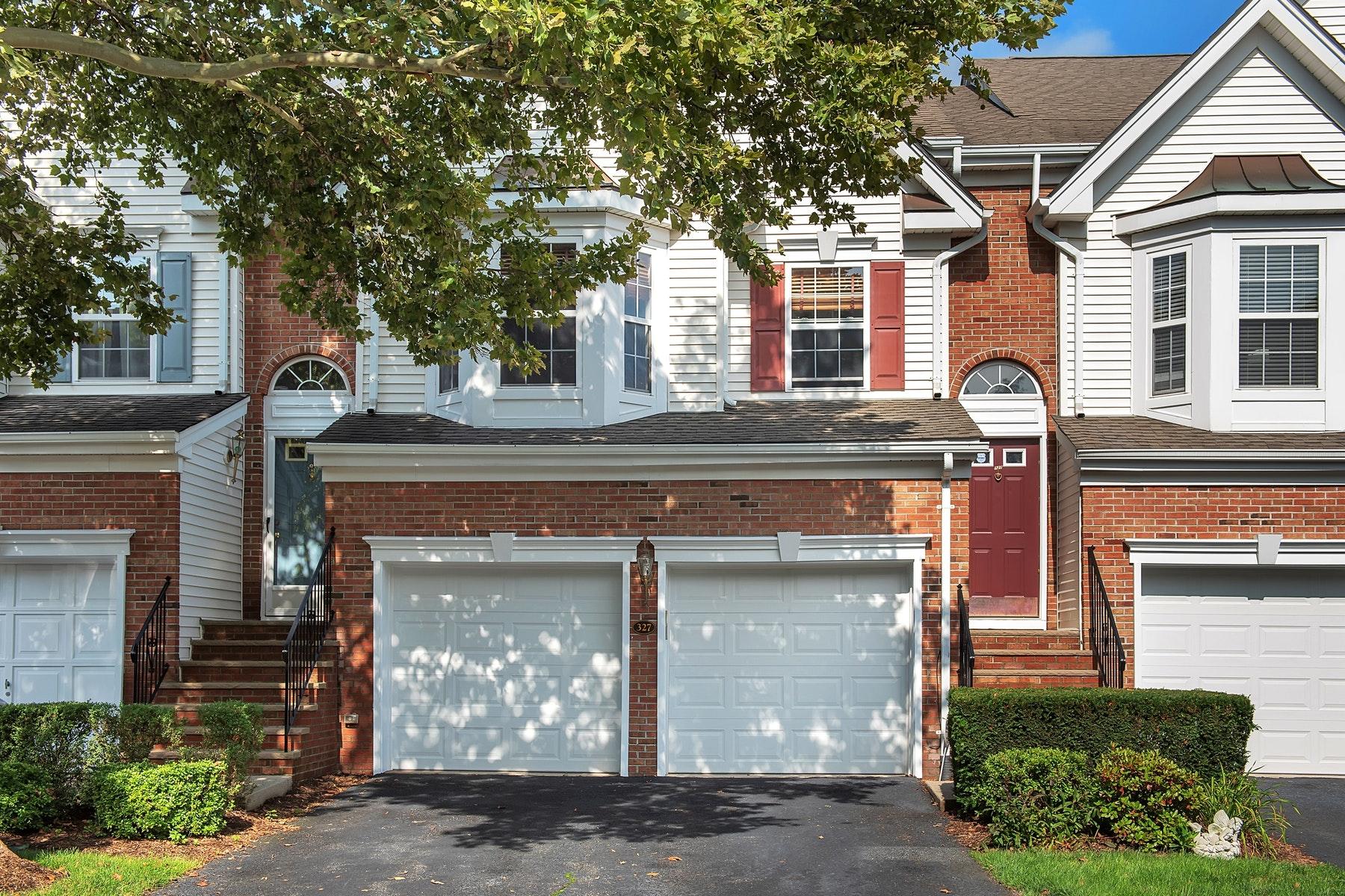 Σπίτι στην πόλη για την Πώληση στο Cambridge Heights Condo 327 Winthrop Drive, Nutley, Νιου Τζερσεϋ 07110 Ηνωμένες Πολιτείες