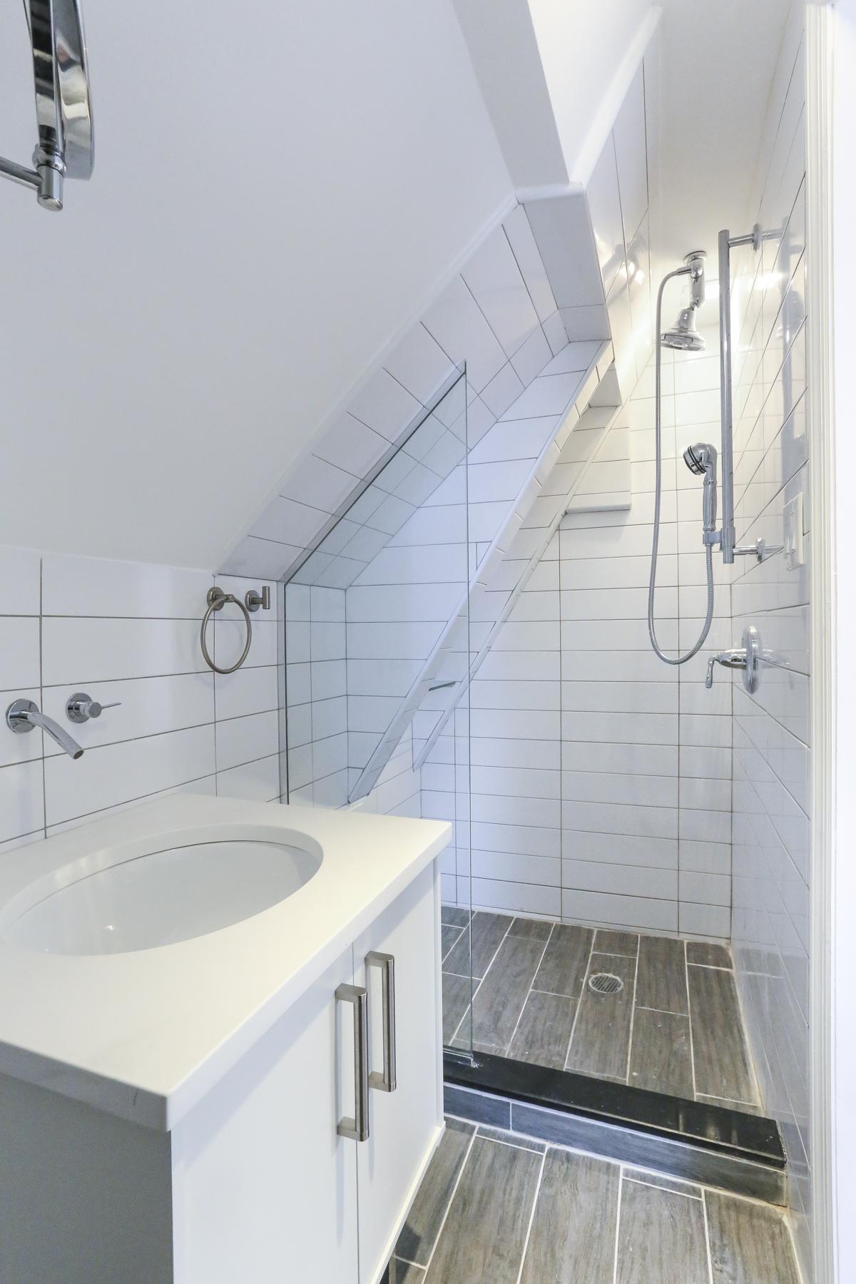 "Additional photo for property listing at ""DESIGNER SHOWCASE LOFT LIVING""  Forest Hills, Nueva York 11375 Estados Unidos"