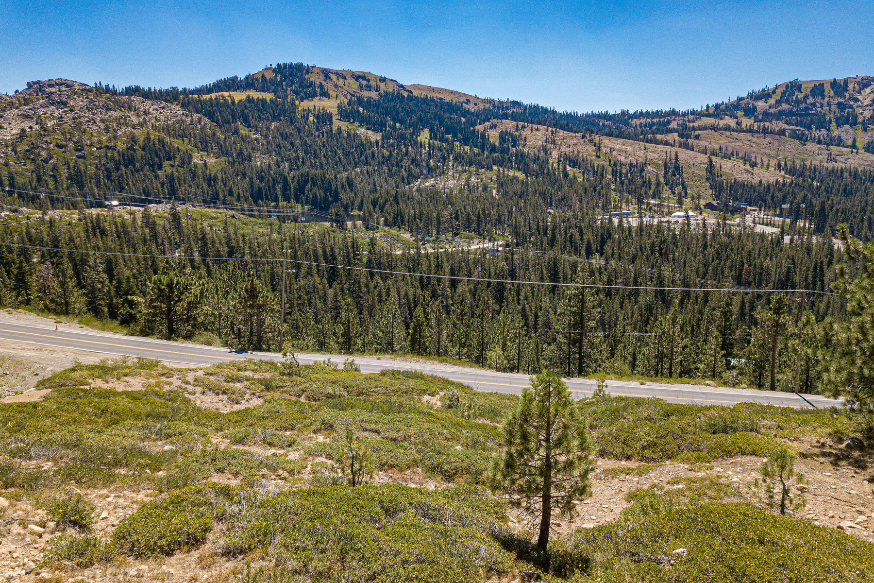 Additional photo for property listing at 58501 Donner Summit Road Norden, California 95724 United States