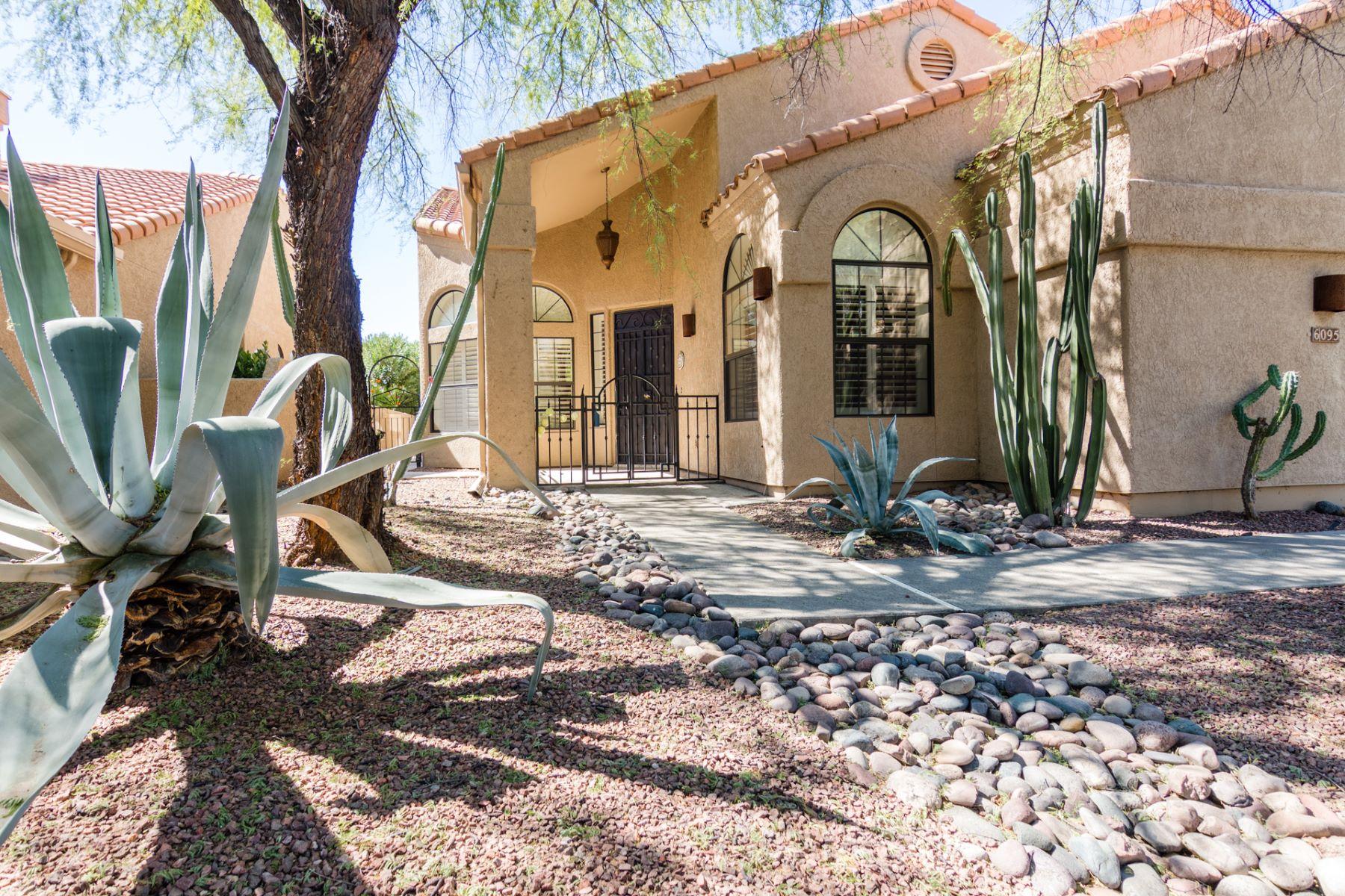 タウンハウス のために 売買 アット Beautifully Maintained Golf Villa 6095 N. Black Bear Loop, Tucson, アリゾナ, 85750 アメリカ合衆国
