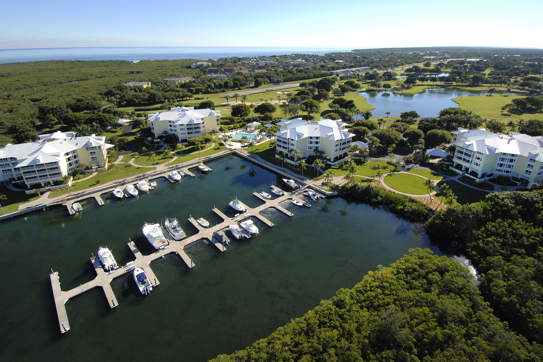 Additional photo for property listing at Harbour House Condominium at Ocean Reef 19 Barracuda Lane Key Largo, Florida 33037 Stati Uniti
