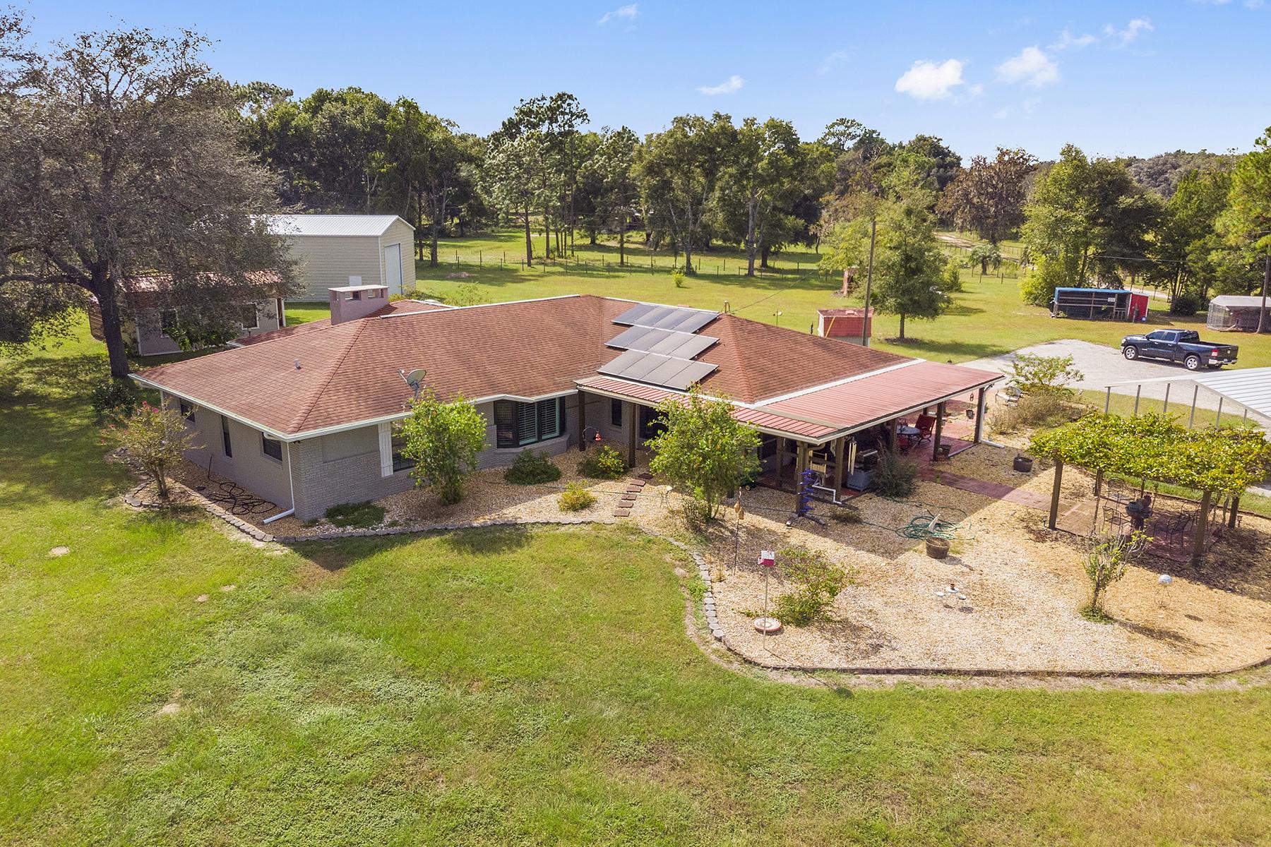 Single Family Homes por un Venta en ANTHONY 10820 NE 47th Ave, Anthony, Florida 32617 Estados Unidos