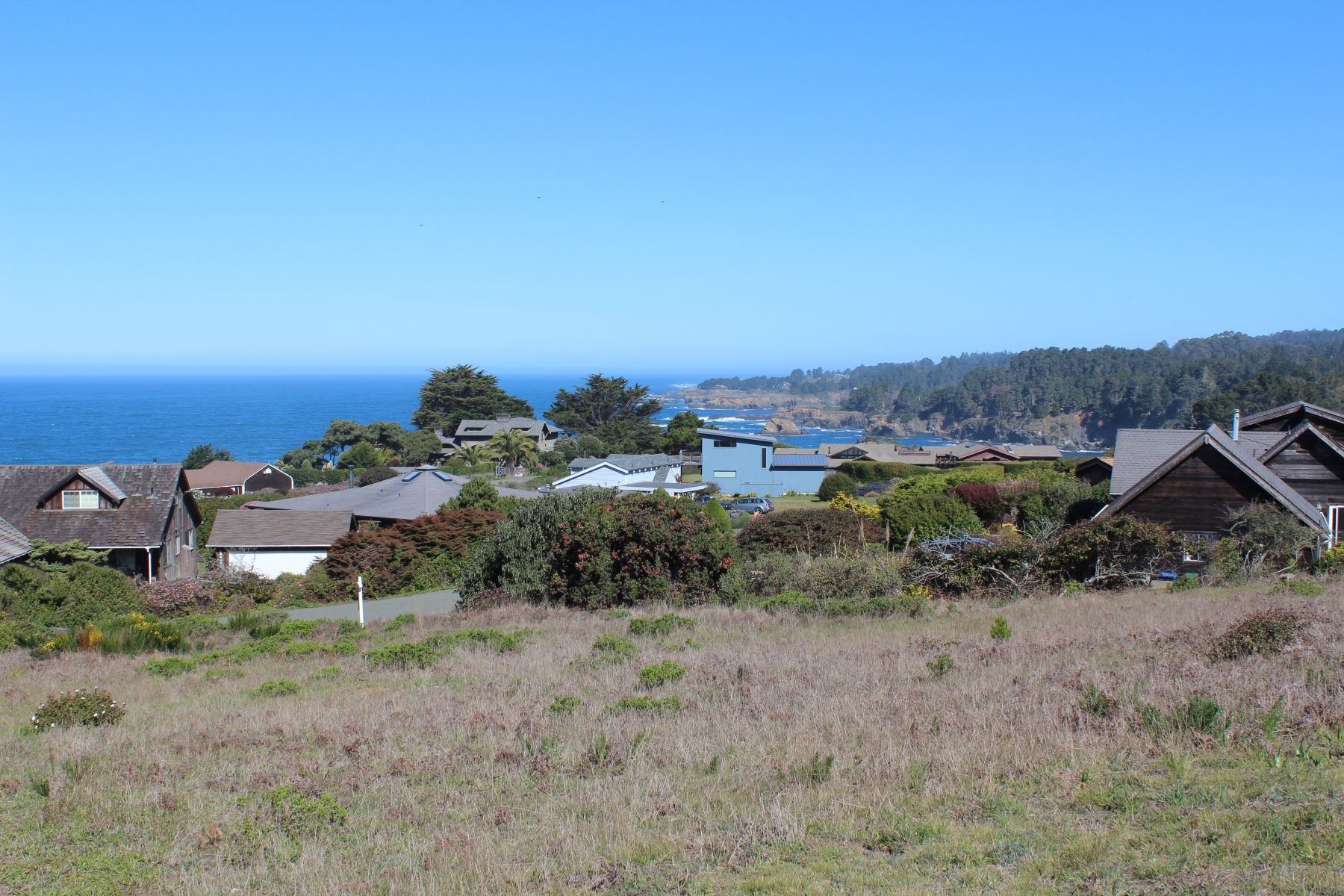 Additional photo for property listing at Enjoy All That Mendocino Has To Offer 10980 Palette Drive Mendocino, California 95460 United States