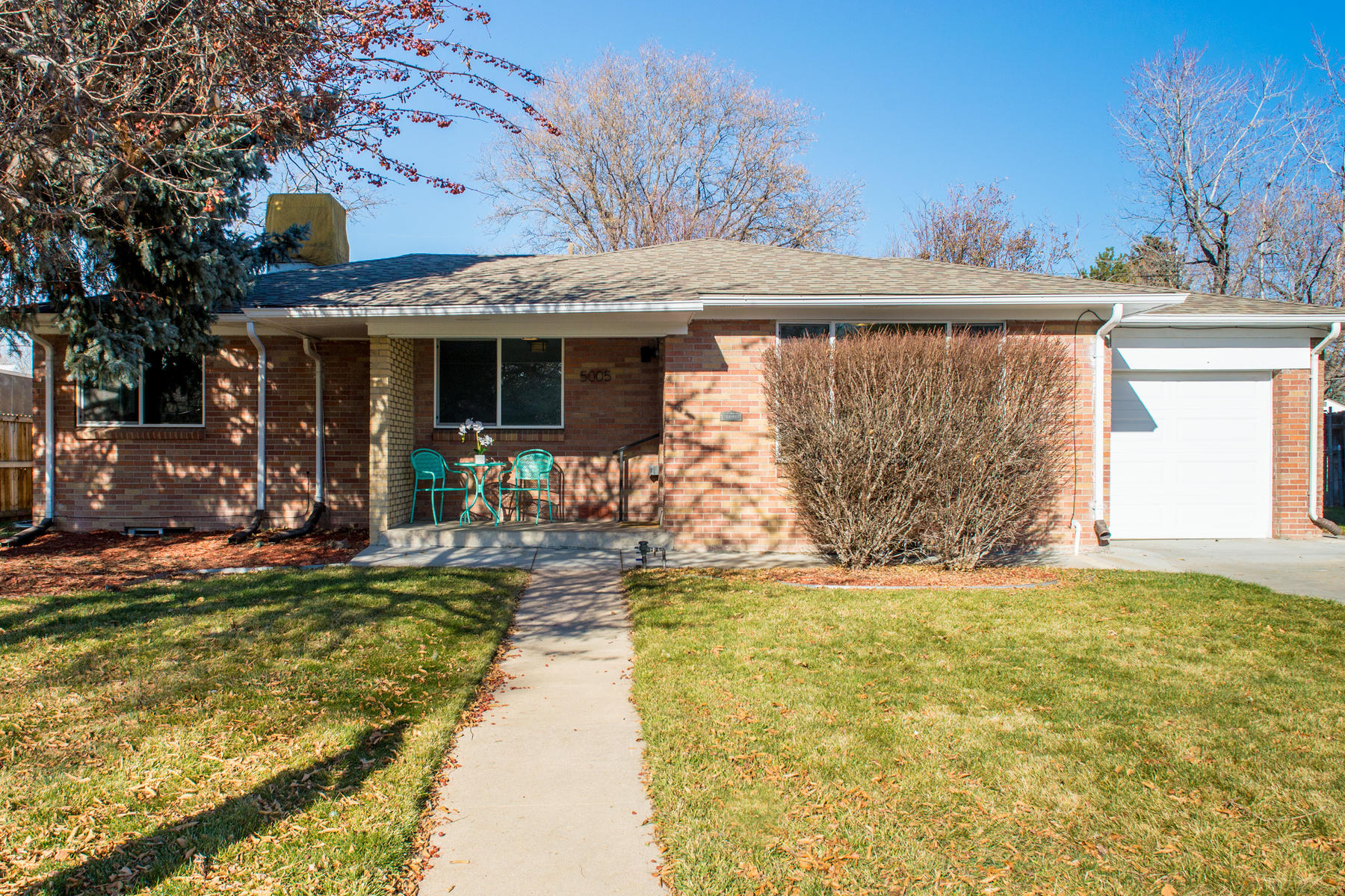 Single Family Home for Active at Perfectly appointed brick ranch home in Virgina Village 5005 Atlantic Place Denver, Colorado 80222 United States