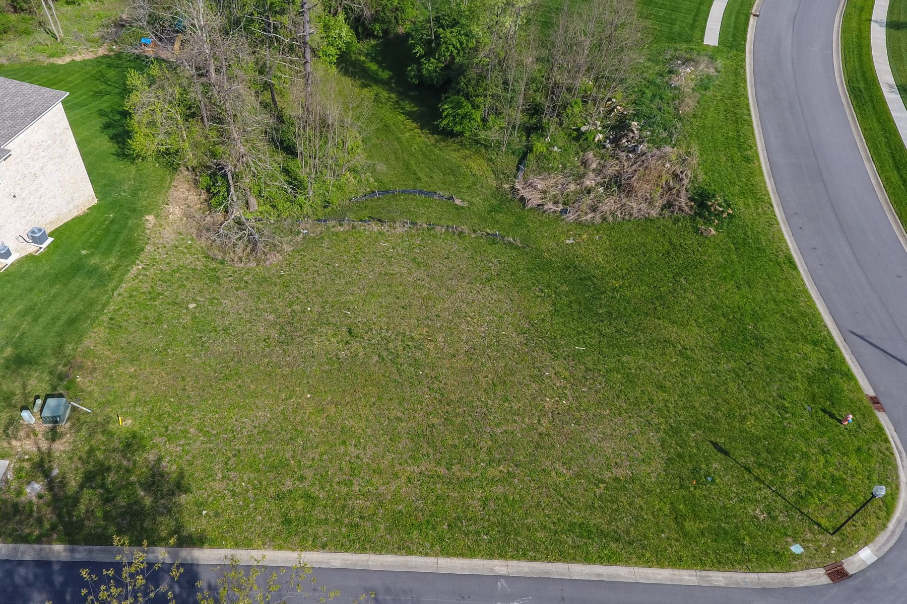 Additional photo for property listing at 6007 Bates View Court  Louisville, Kentucky 40222 United States