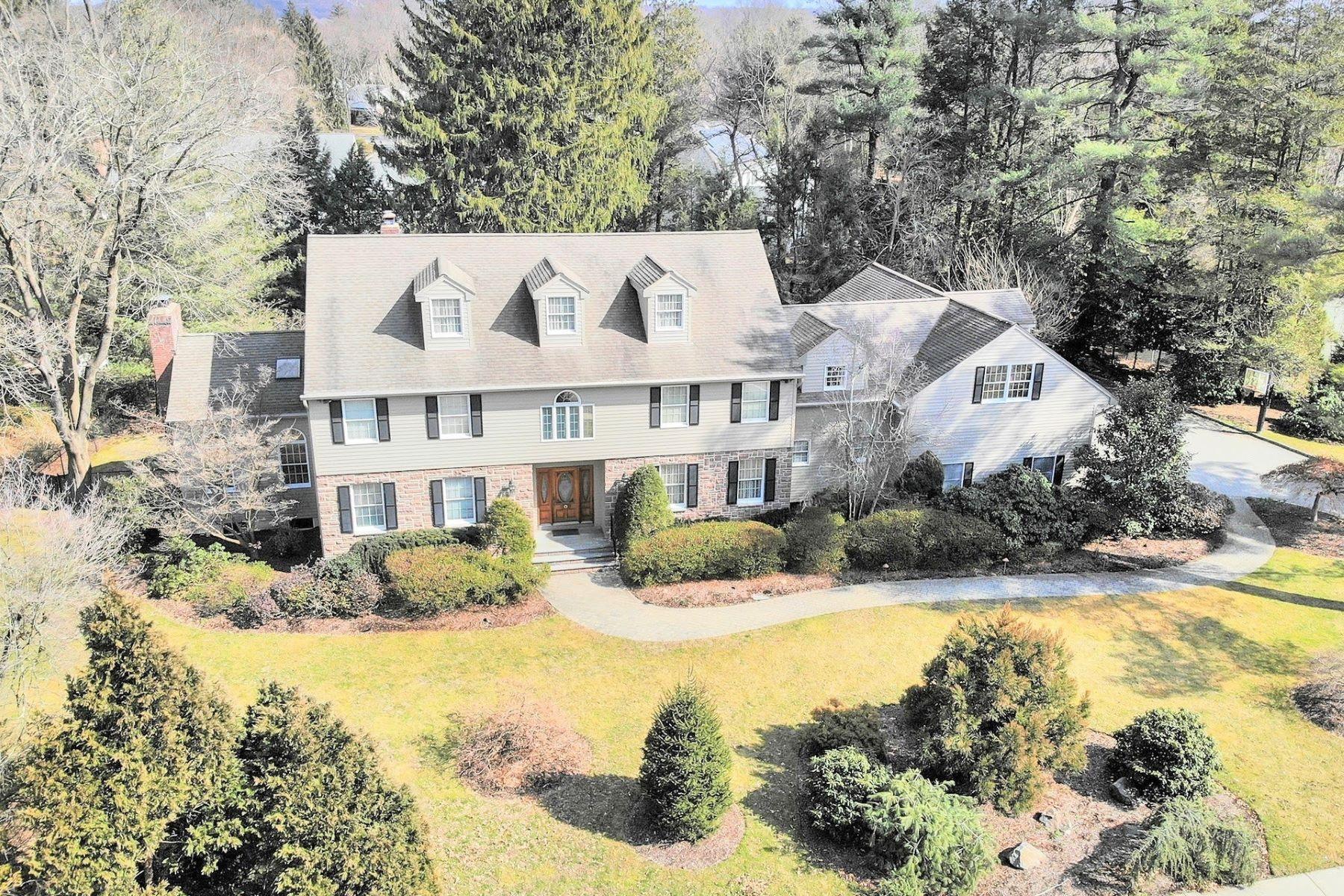 Single Family Homes per Vendita alle ore Elegant & Stately East Hill 206 County Rd, Demarest, New Jersey 07627 Stati Uniti