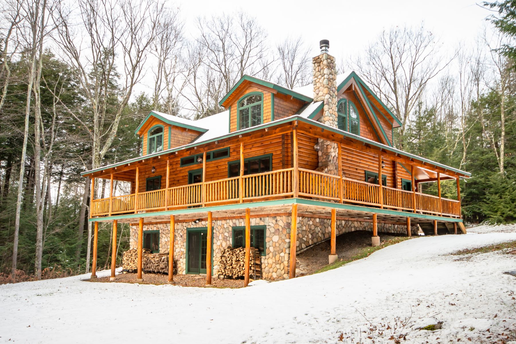 Single Family Homes for Active at Four Season Retreat at Windham Mountain 92 North Ridge Extension Windham, New York 12496 United States