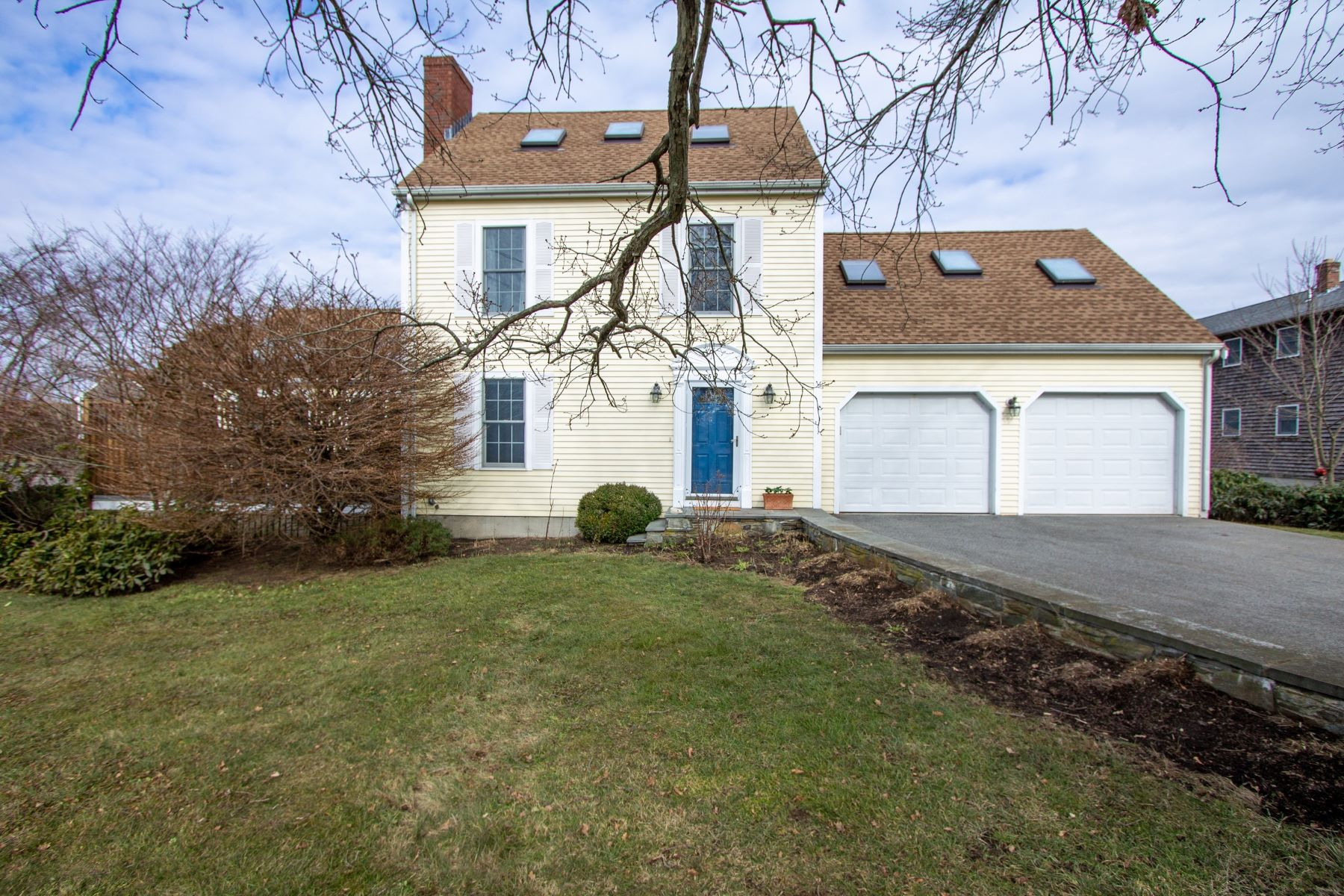 Single Family Homes for Sale at Farmhouse Retreat 185 Mill Lane Portsmouth, Rhode Island 02871 United States