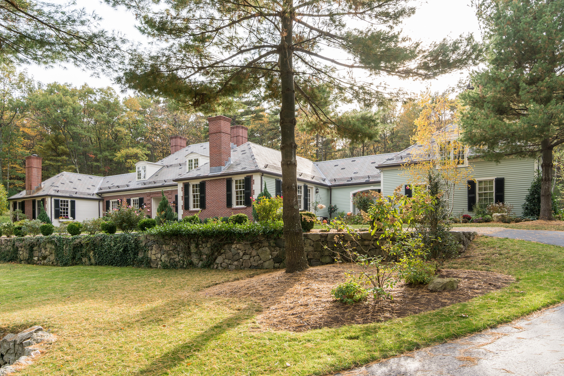 Single Family Home for Sale at Exquisite Home On Rare 3 Acres 150 Pond Road Wellesley, Massachusetts 02482 United States