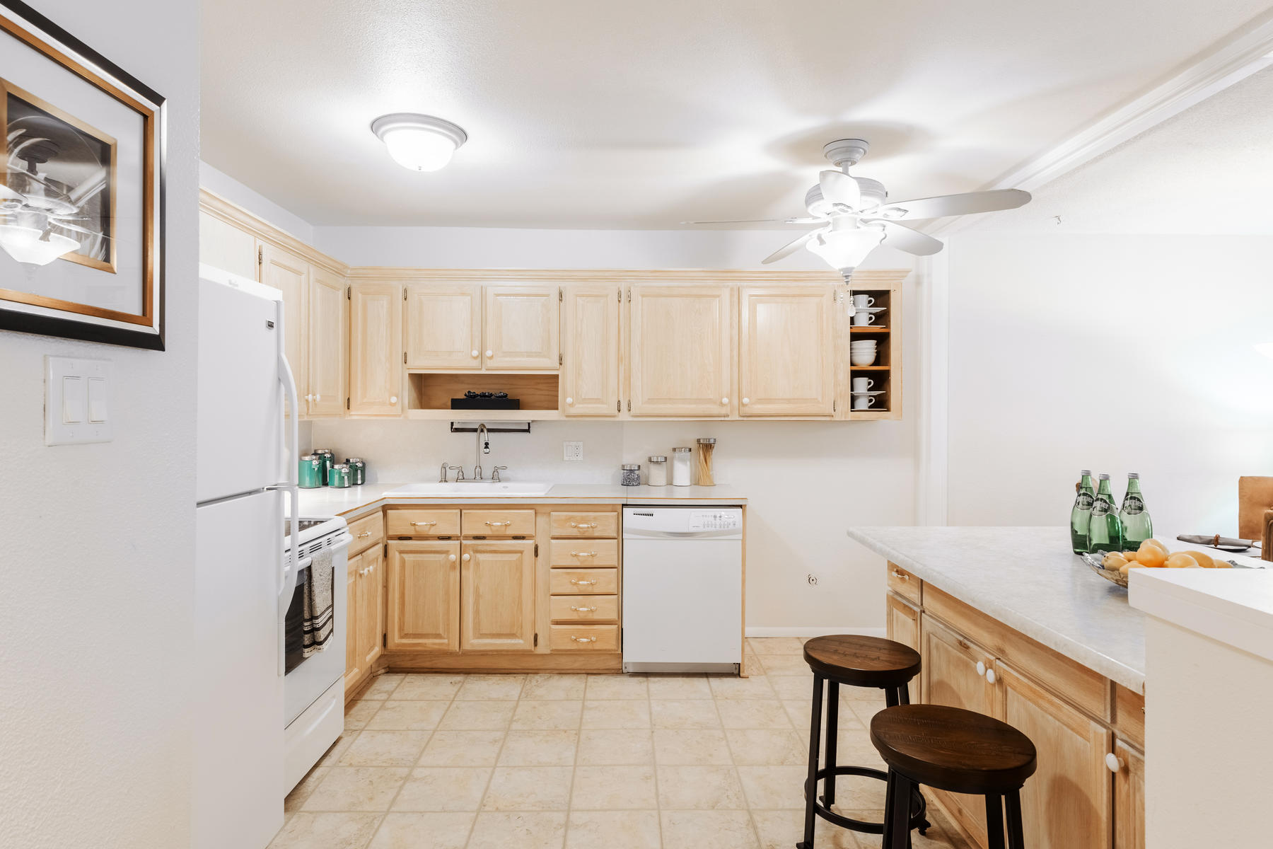 Additional photo for property listing at Tastefully Updated Condo 720 S Clinton St #3B Denver, Colorado 80247 United States