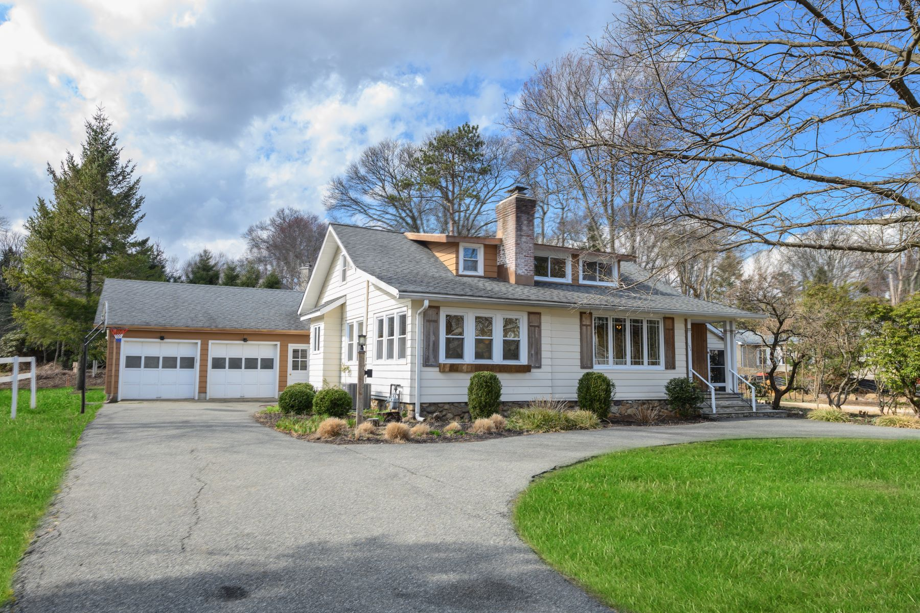 Single Family Homes for Sale at Charming Expanded Cape 164 Intervale Road Mountain Lakes, New Jersey 07046 United States