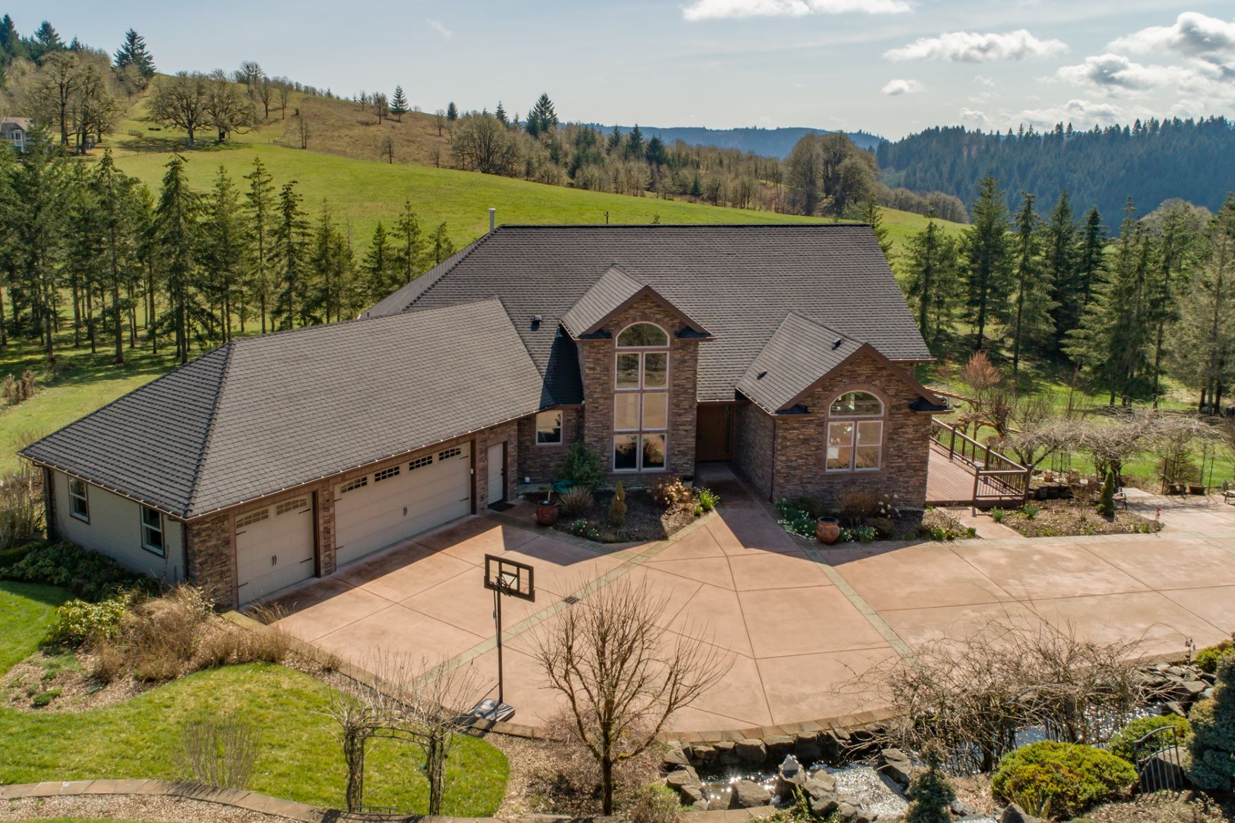 Single Family Homes pour l Vente à Luxury in Philomath 24244 Finch Lane, Philomath, Oregon 97370 États-Unis