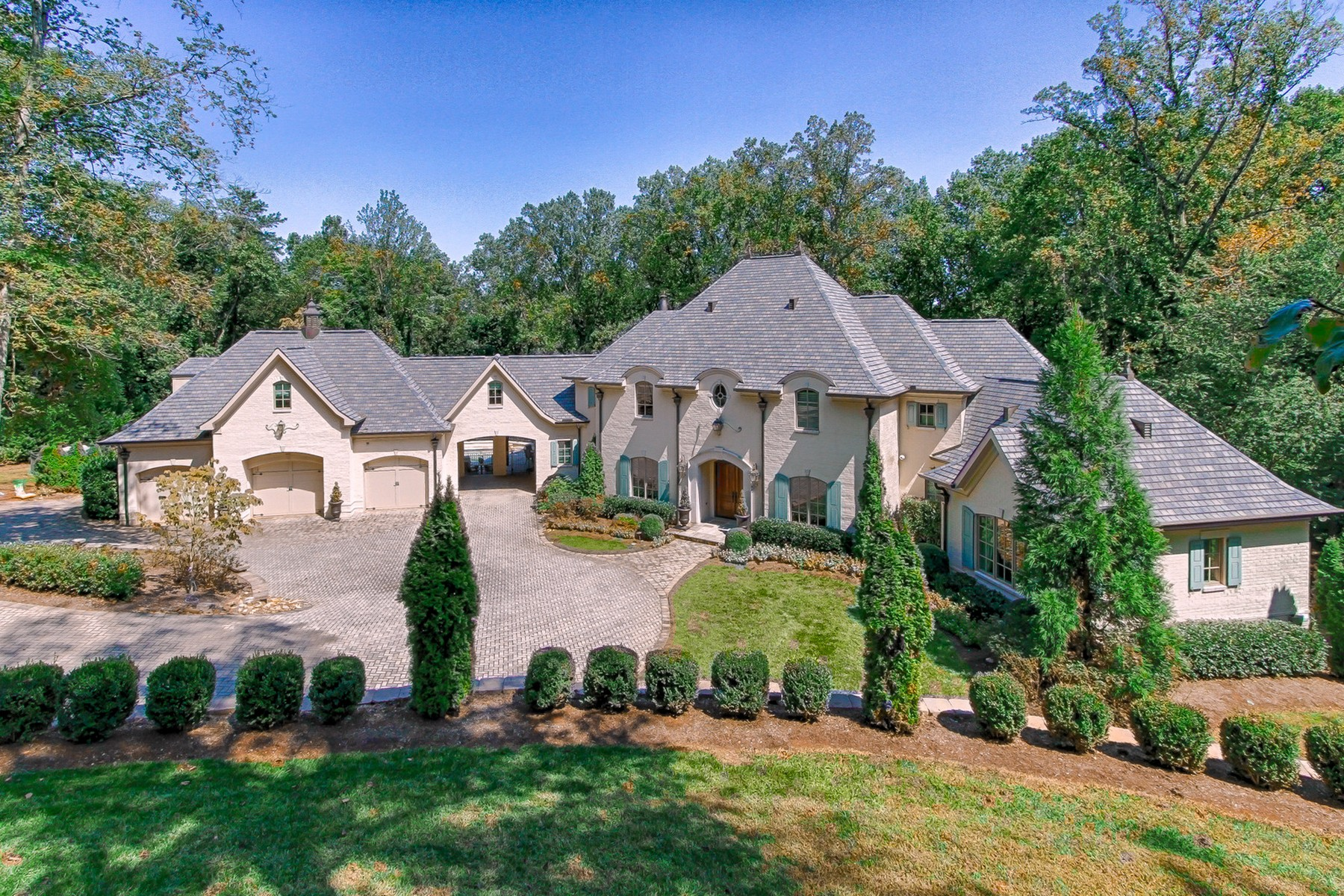 Single Family Home for Sale at Stunning French Country Manor 1462 Rudder Lane Knoxville, Tennessee 37919 United States