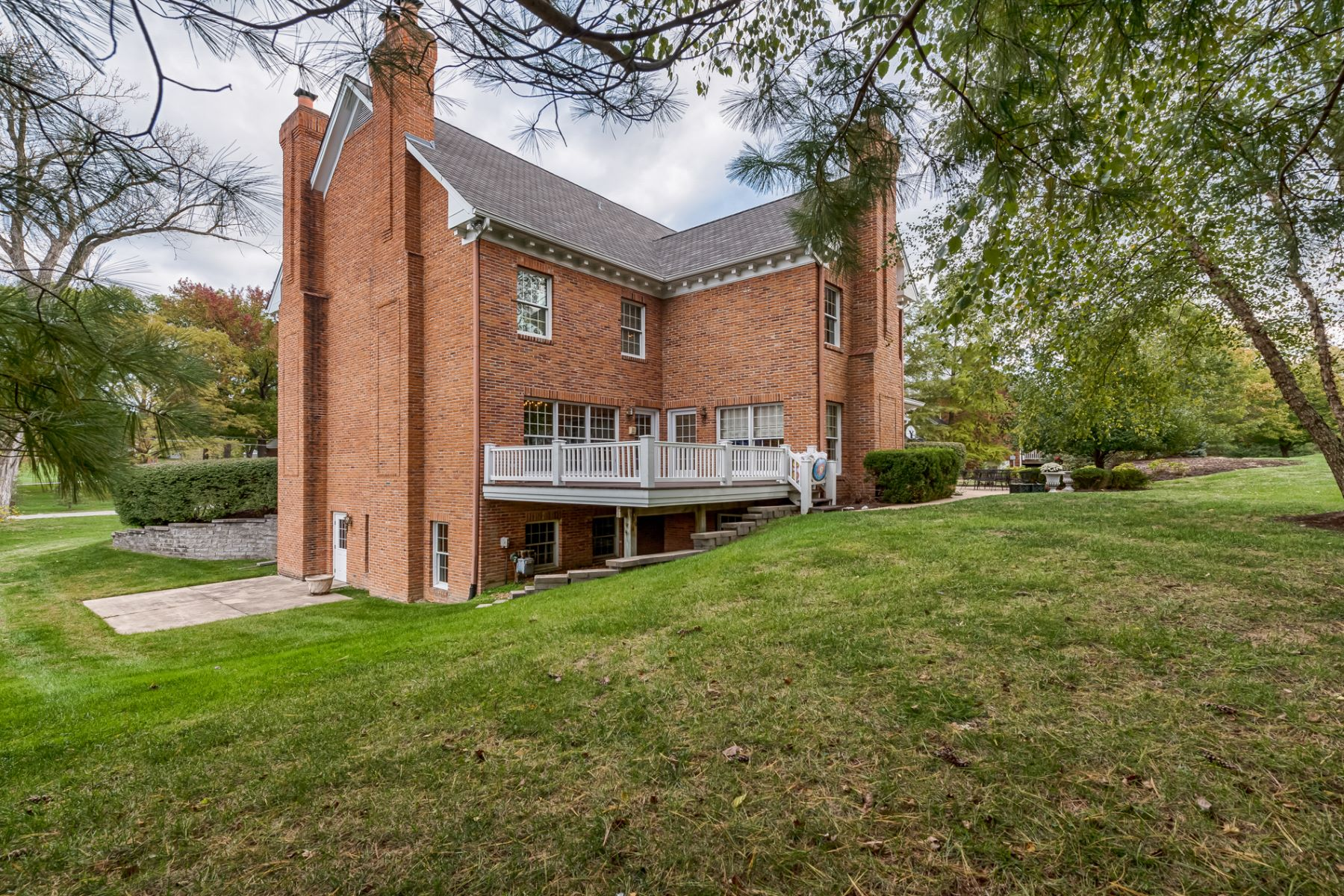 Additional photo for property listing at Steeplechase Lane 476 Steeplechase Lane St. Louis, Missouri 63131 United States