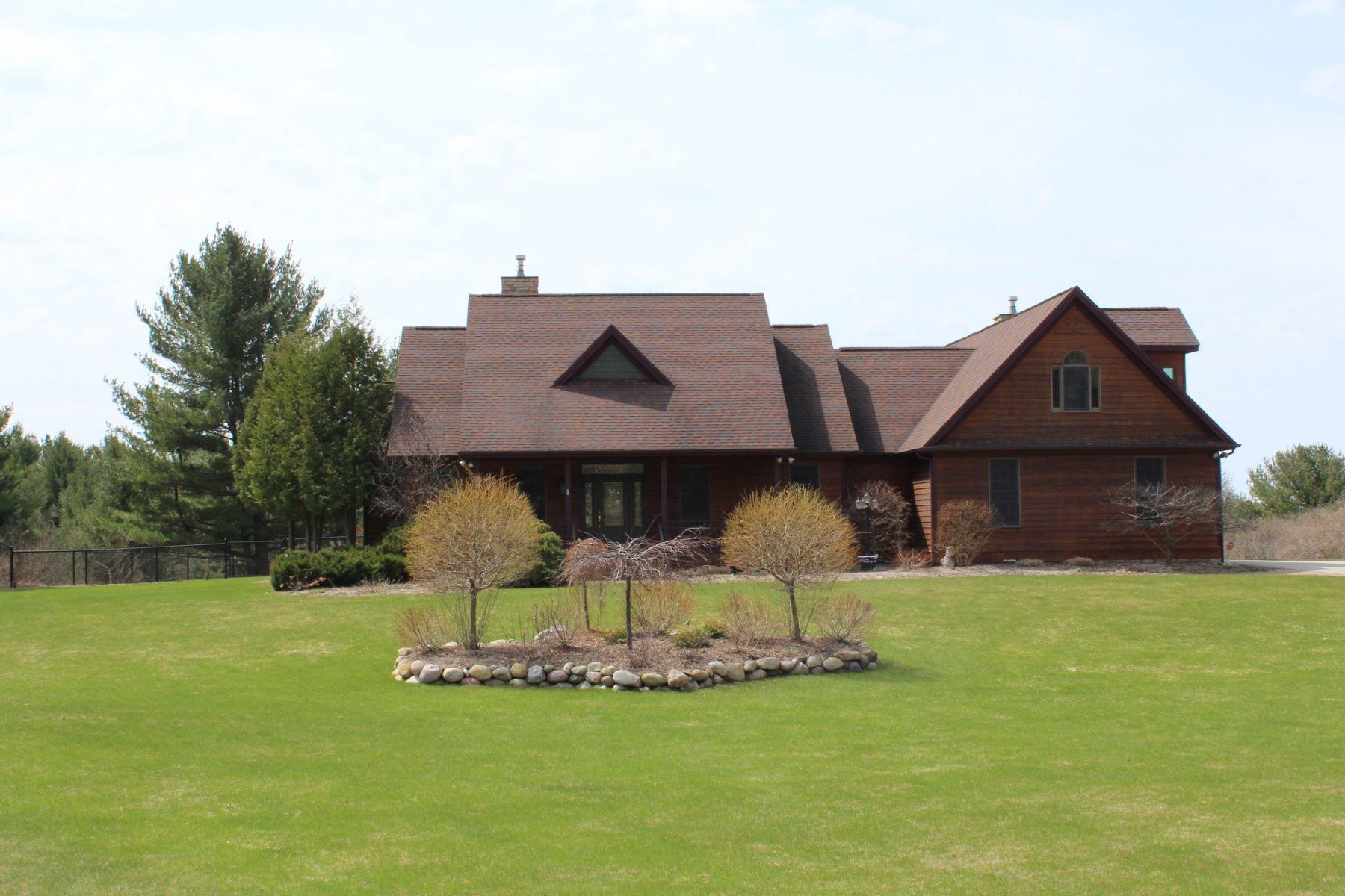 其他住宅 為 出售 在 Bay Heights Home 6895 Bay Heights Drive Harbor Springs, 密歇根州, 49740 美國