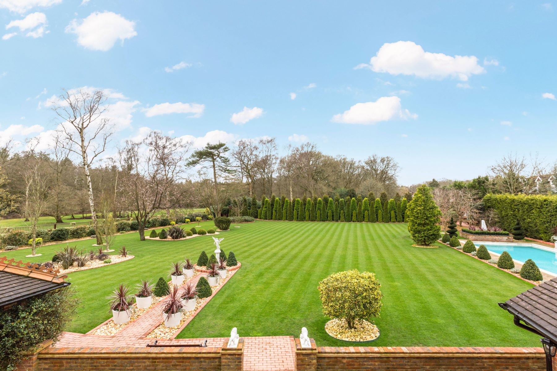 Additional photo for property listing at Chalfont Manor Nightingales Lane Chalfont St Giles, Inglaterra HP8 4SN Reino Unido