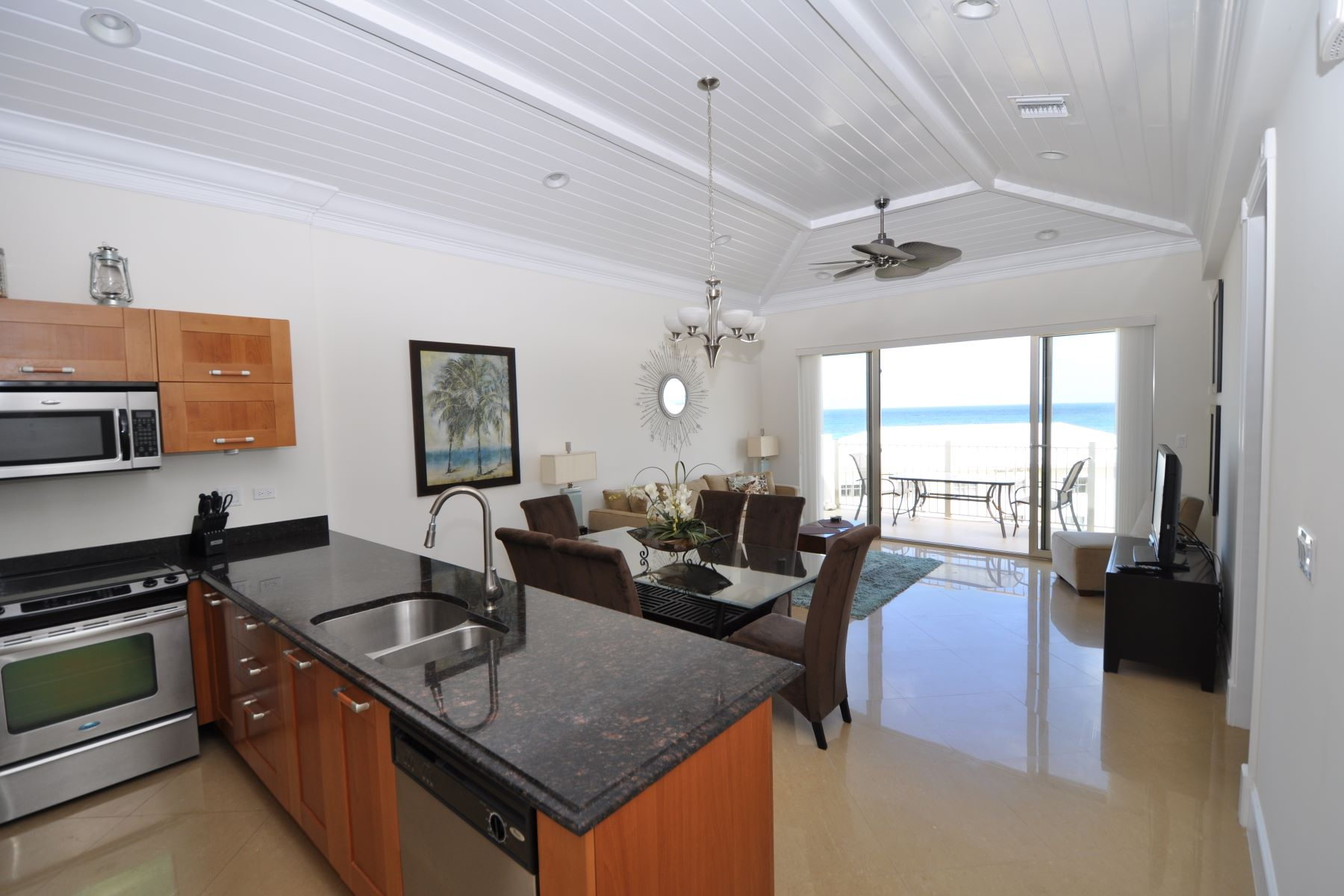Piso por un Venta en Columbus Cove Penthouse with views of the turquiose Atlantic Ocean Columbus Cove, Love Beach, Nueva Providencia / Nassau Bahamas