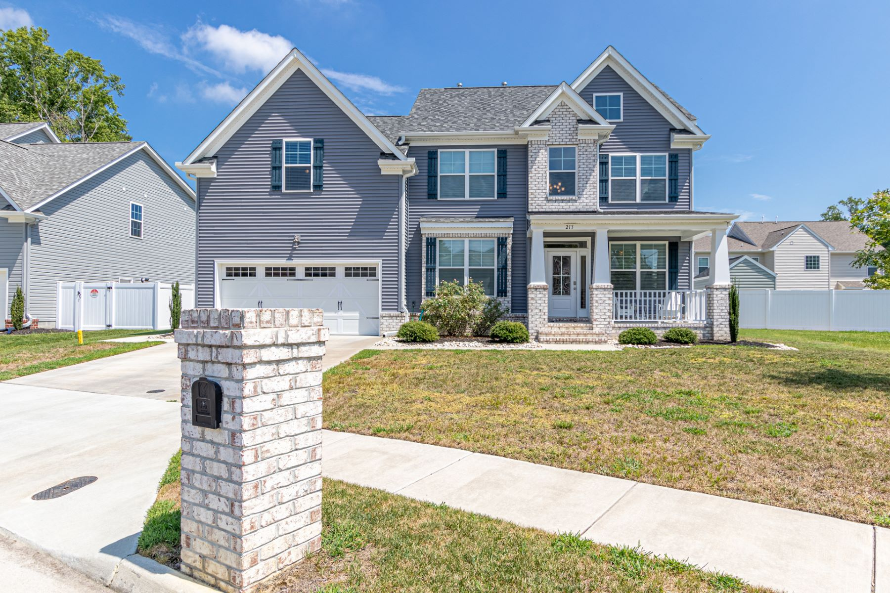 Single Family Homes for Active at BRABBLE SHORES 213 Creston Court Chesapeake, Virginia 23323 United States
